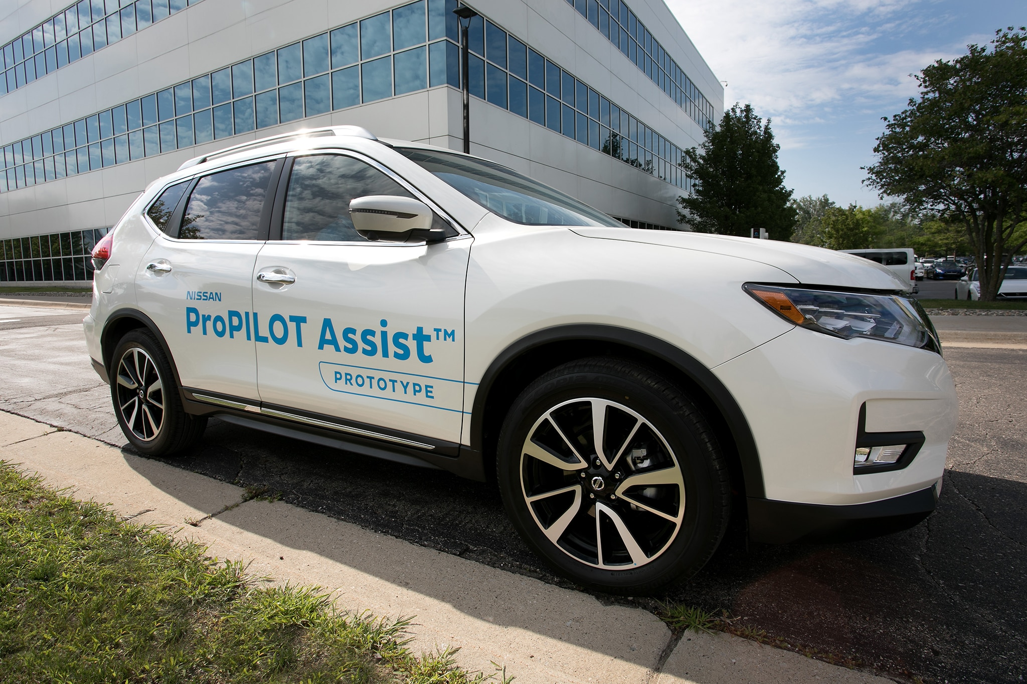 Nissan ProPilot Assist 01