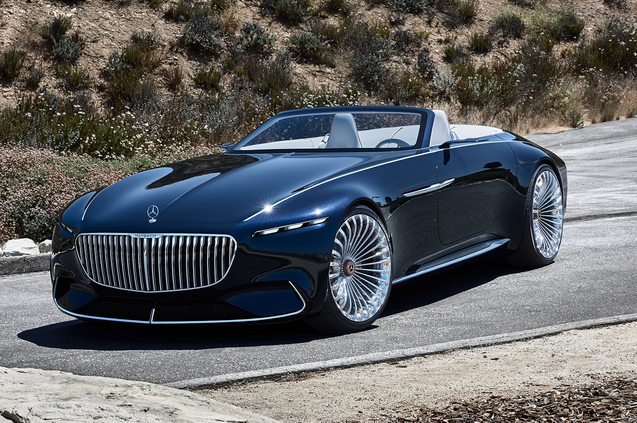 Vision mercedes maybach 6 cabriolet wows pebble beach for Mercedes benz maybach 6 price