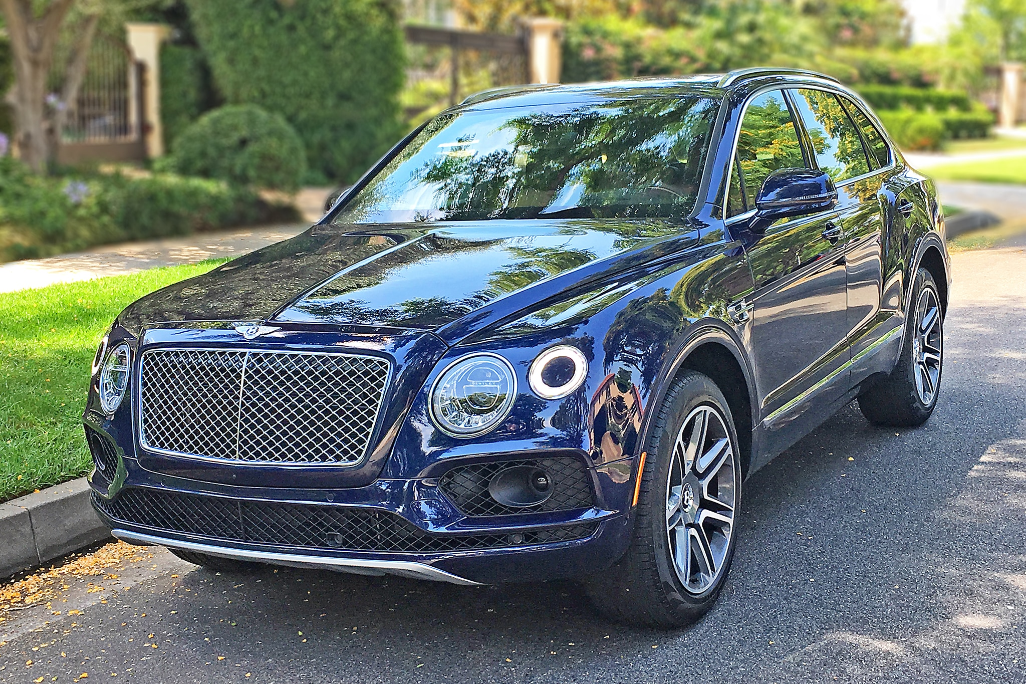 bentley continental gt gumtree with Baby Blue Bentley on 1188342141 moreover New Saab Cars For Sale Dan Saab Convertible Cars For Sale Uk moreover 2017 Toyota Rv4 besides Bentley Green additionally Dpe Wheels For Sale.