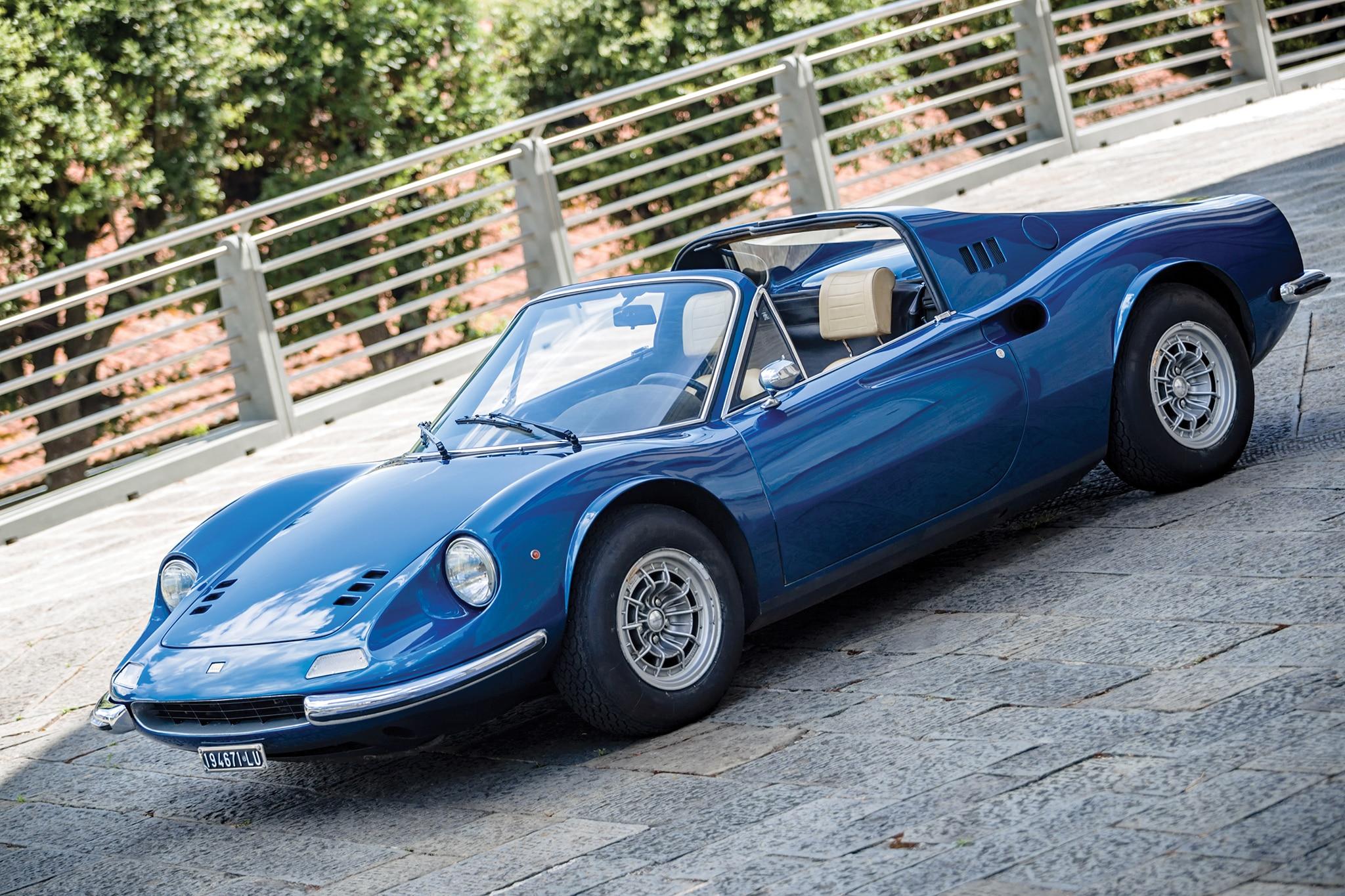 Rm Sotheby S Leggenda E Passione Ferrari Auction Brings