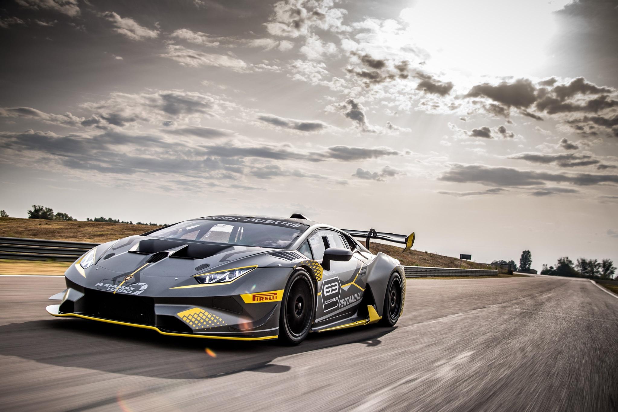 Lamborghini Huracán Super Trofeo EVO wants a piece of you