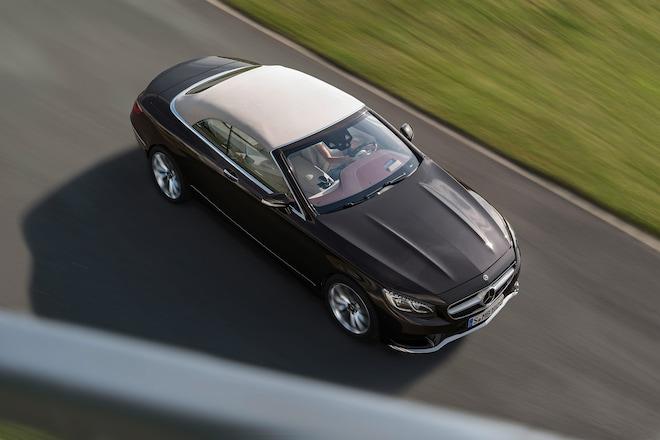 http://st.automobilemag.com/uploads/sites/11/2017/09/2018-Mercedes-Benz-S560-Cabriolet-06.jpg?interpolation=lanczos-none&fit=around%7C660:440