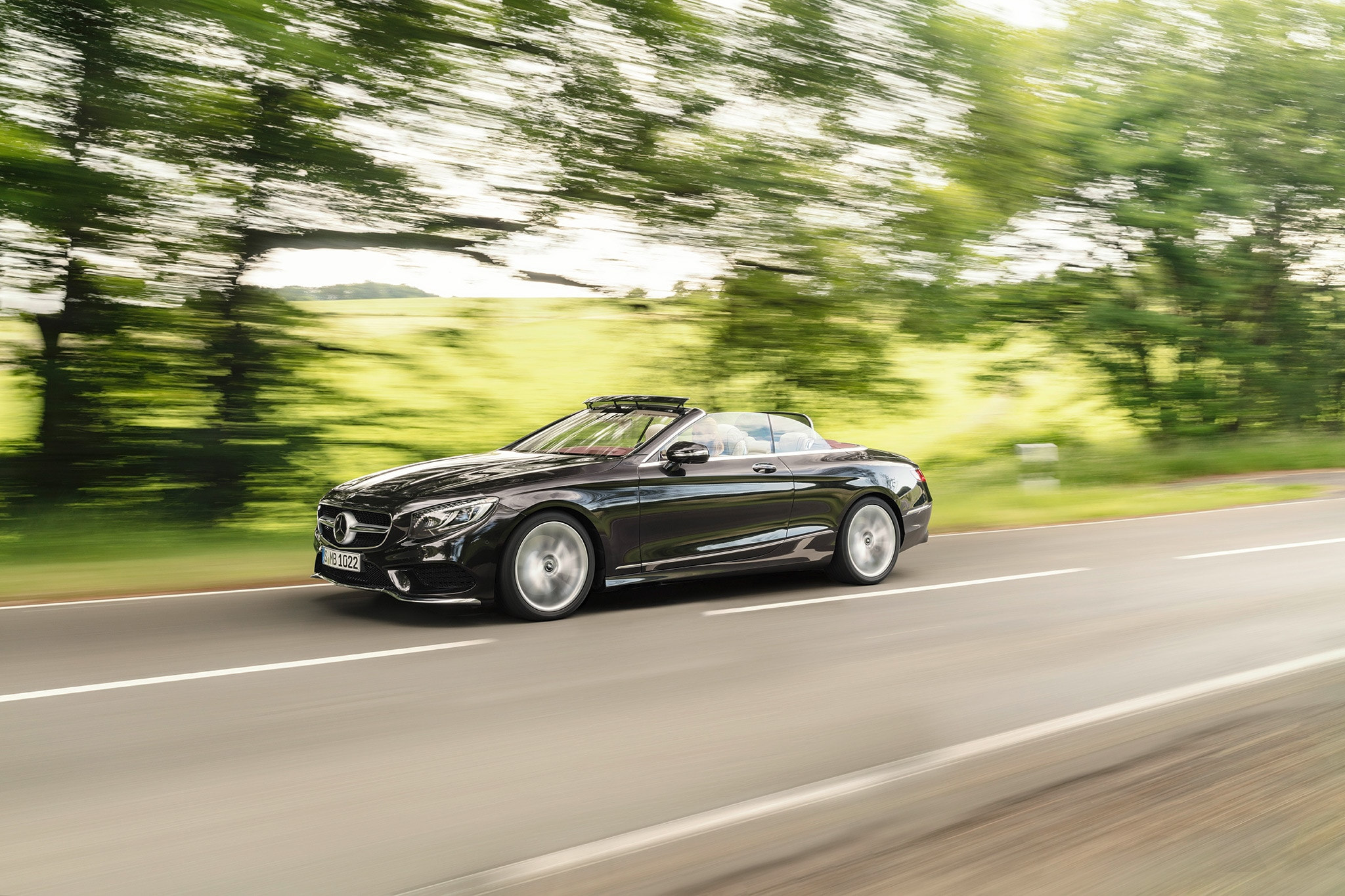 2018 mercedes benz s class coupe and convertible roll out for Mercedes benz cabriolet 2018
