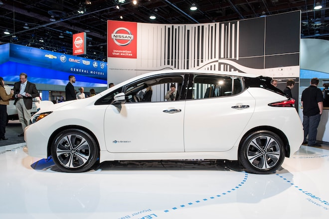 2018 nissan leaf charges onto the stage in las vegas for Chicago motor cars las vegas nv
