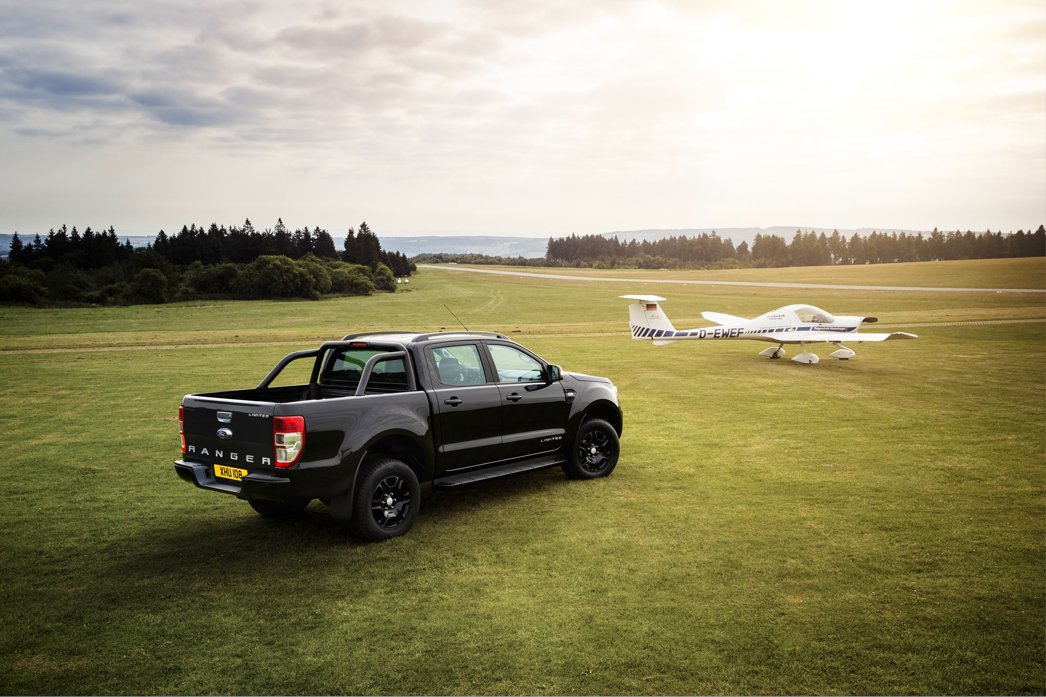 ford ranger black edition to debut at 2017 frankfurt motor. Black Bedroom Furniture Sets. Home Design Ideas