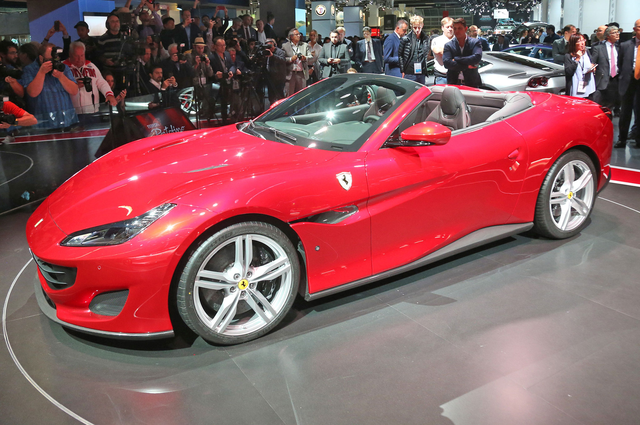 Tesla Roadster 0 60 Tesla Unveils Roadster To 60 Mph In