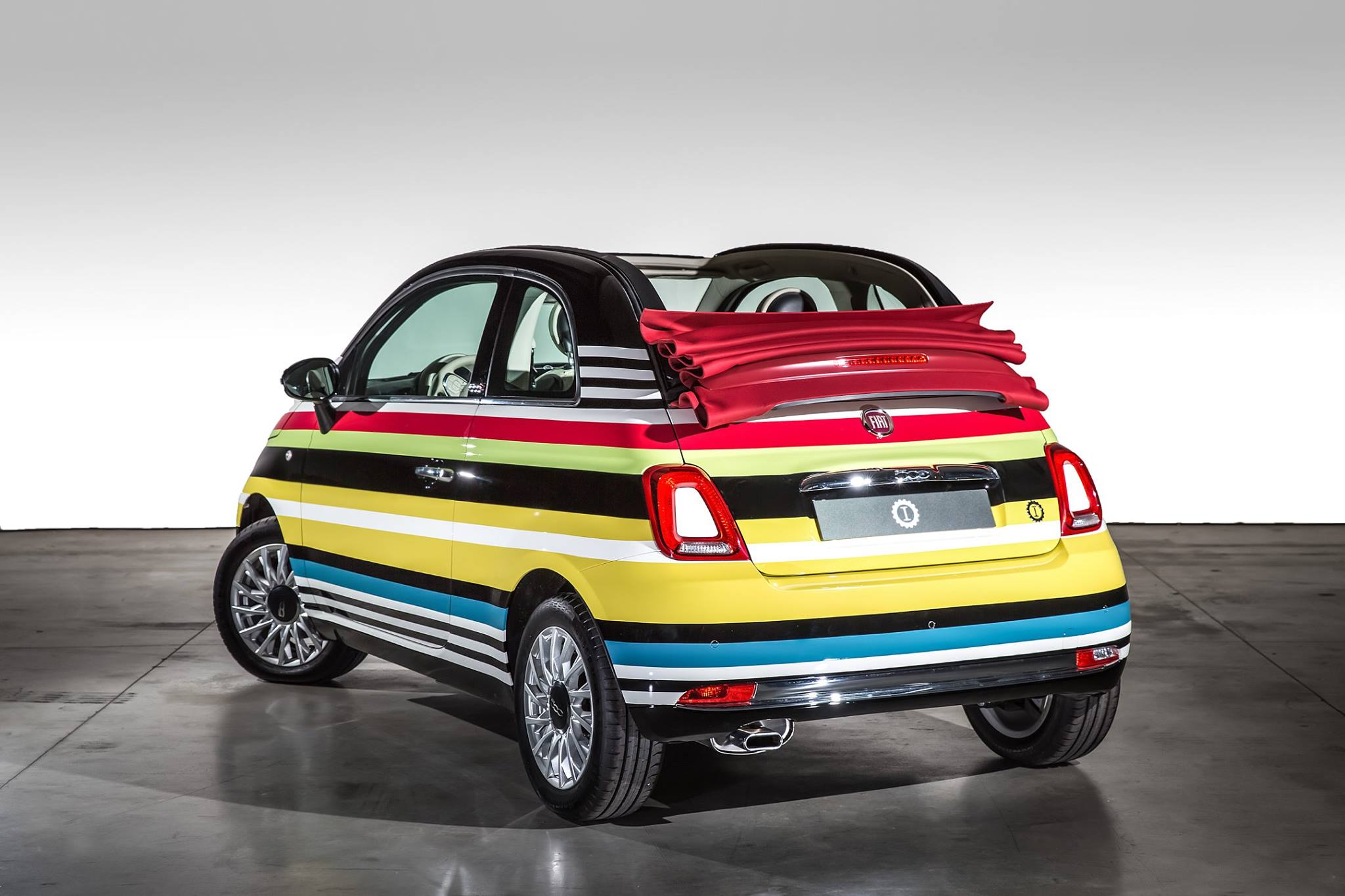 multicolored missoni inspired fiat 500c snags 59 000 for. Black Bedroom Furniture Sets. Home Design Ideas