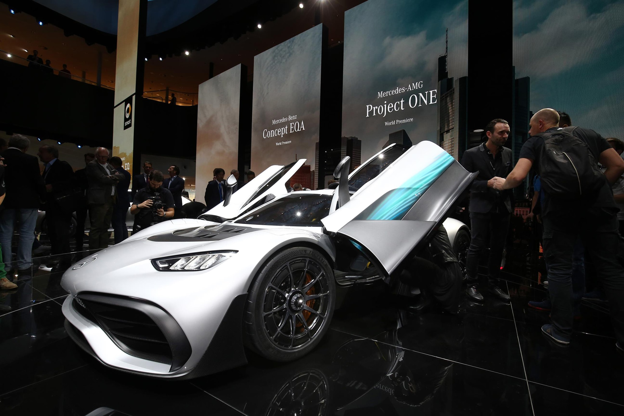 Mercedes AMG Project ONE Front Three Quarter 02
