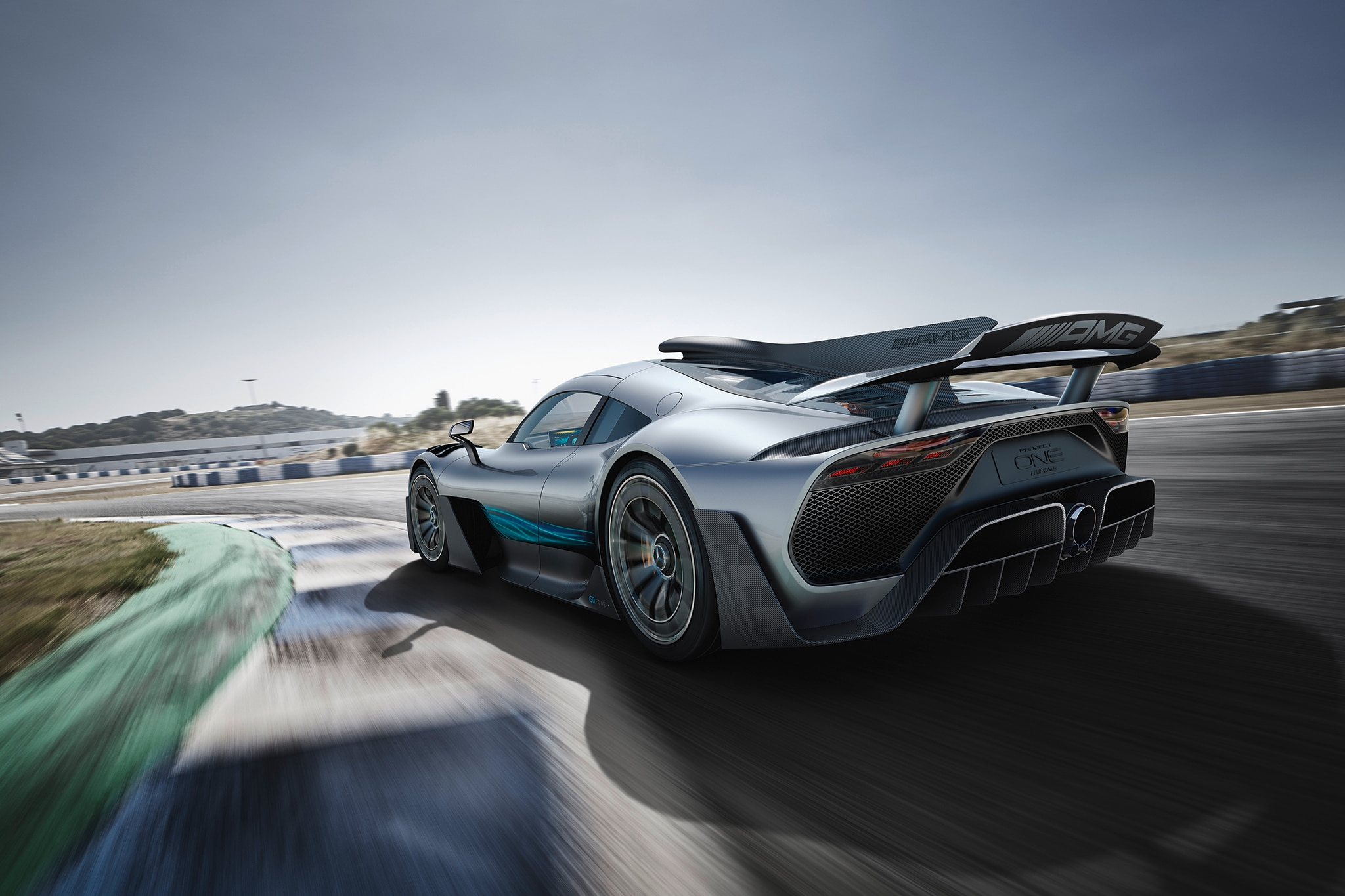 Mercedes amg project one revealed amg s 2 5 million halo for 2 5 million mercedes benz
