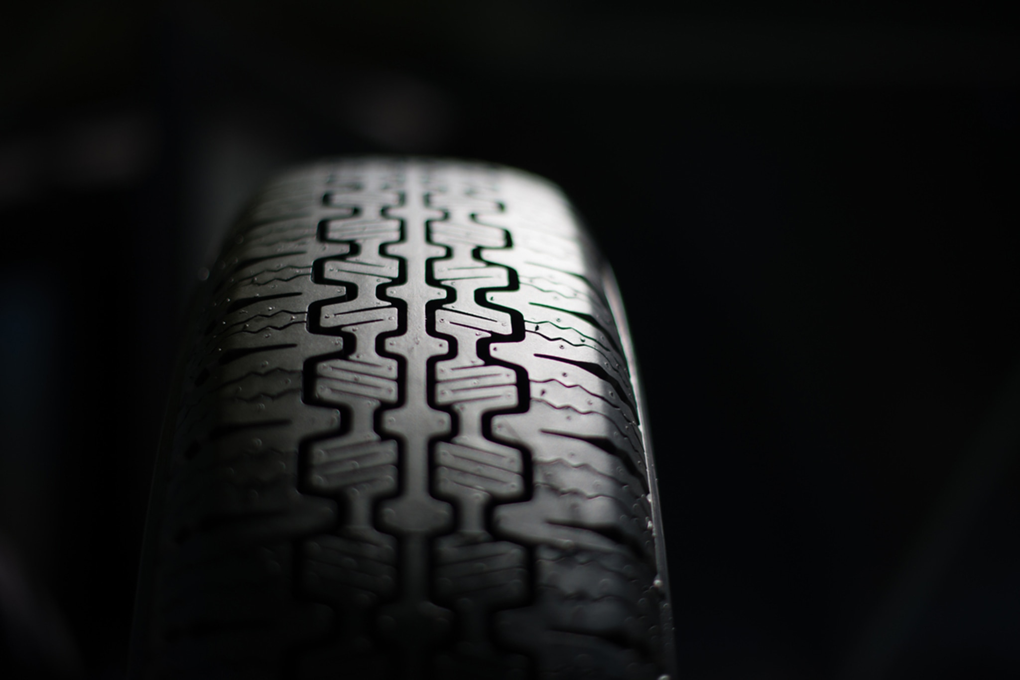 Pirelli Rolls Out New Rubber for Old Classics