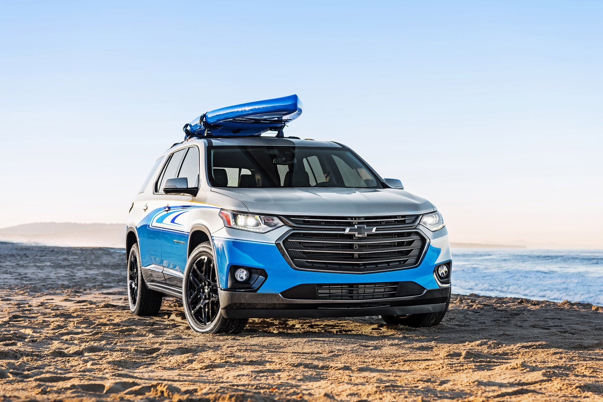 2017 SEMA Chevrolet Traverse SUP 003