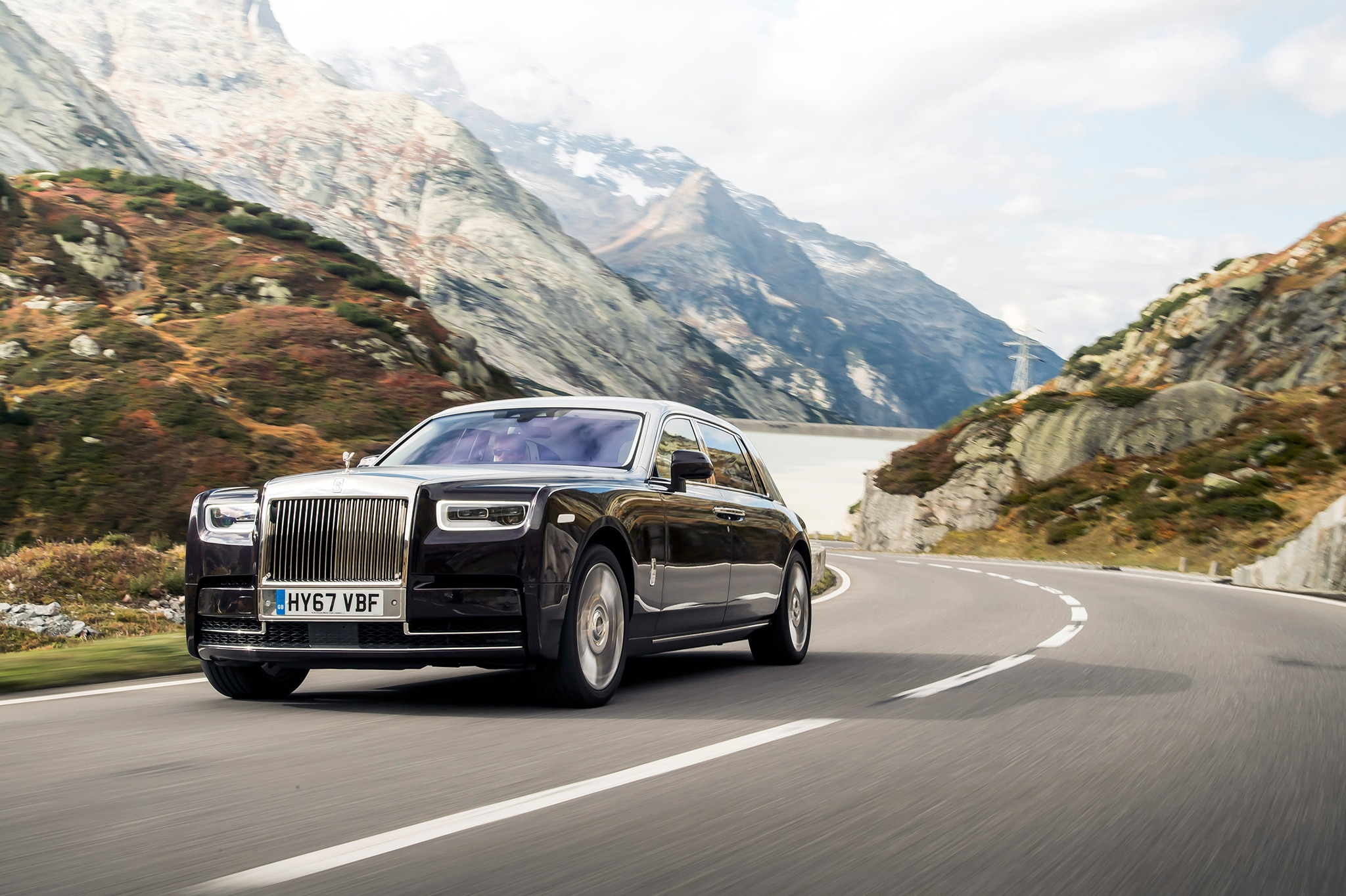 2018 Rolls Royce Phantom VIII Extended Wheelbase Front Three Quarter In Motion 05
