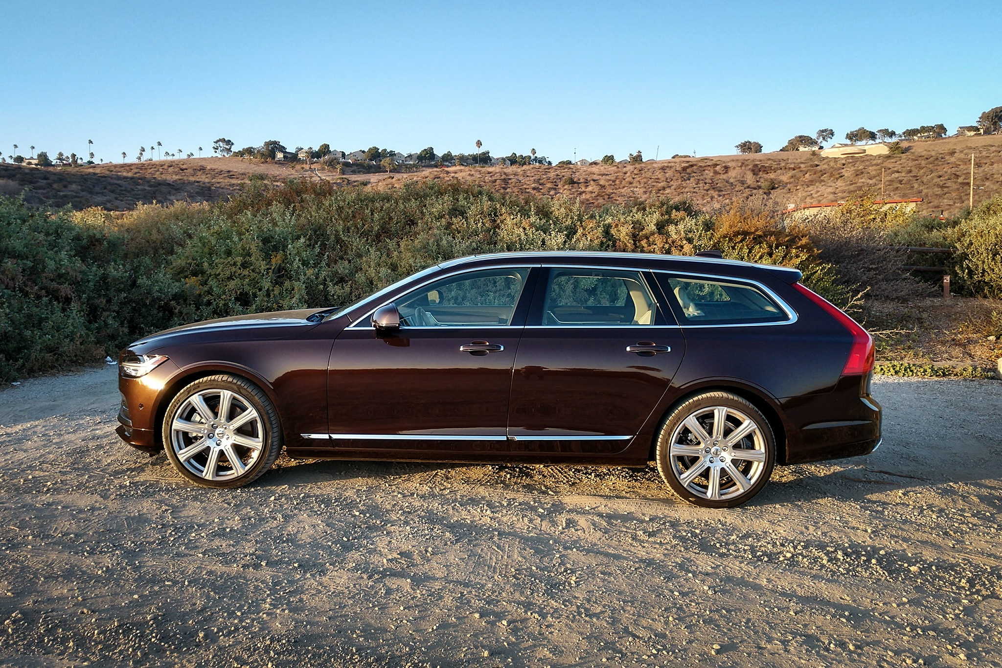 seven groovy things about the 2018 volvo v90 t6 awd inscription automobile magazine. Black Bedroom Furniture Sets. Home Design Ideas