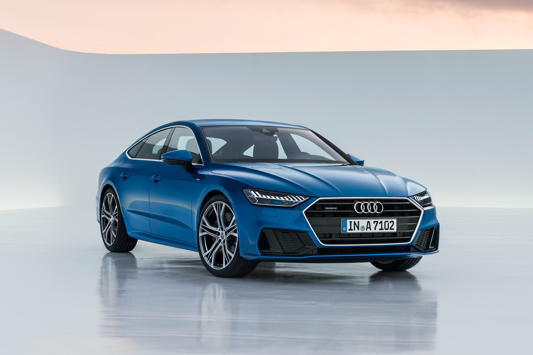 2019 Audi A7 Front Three Quarter 01 1