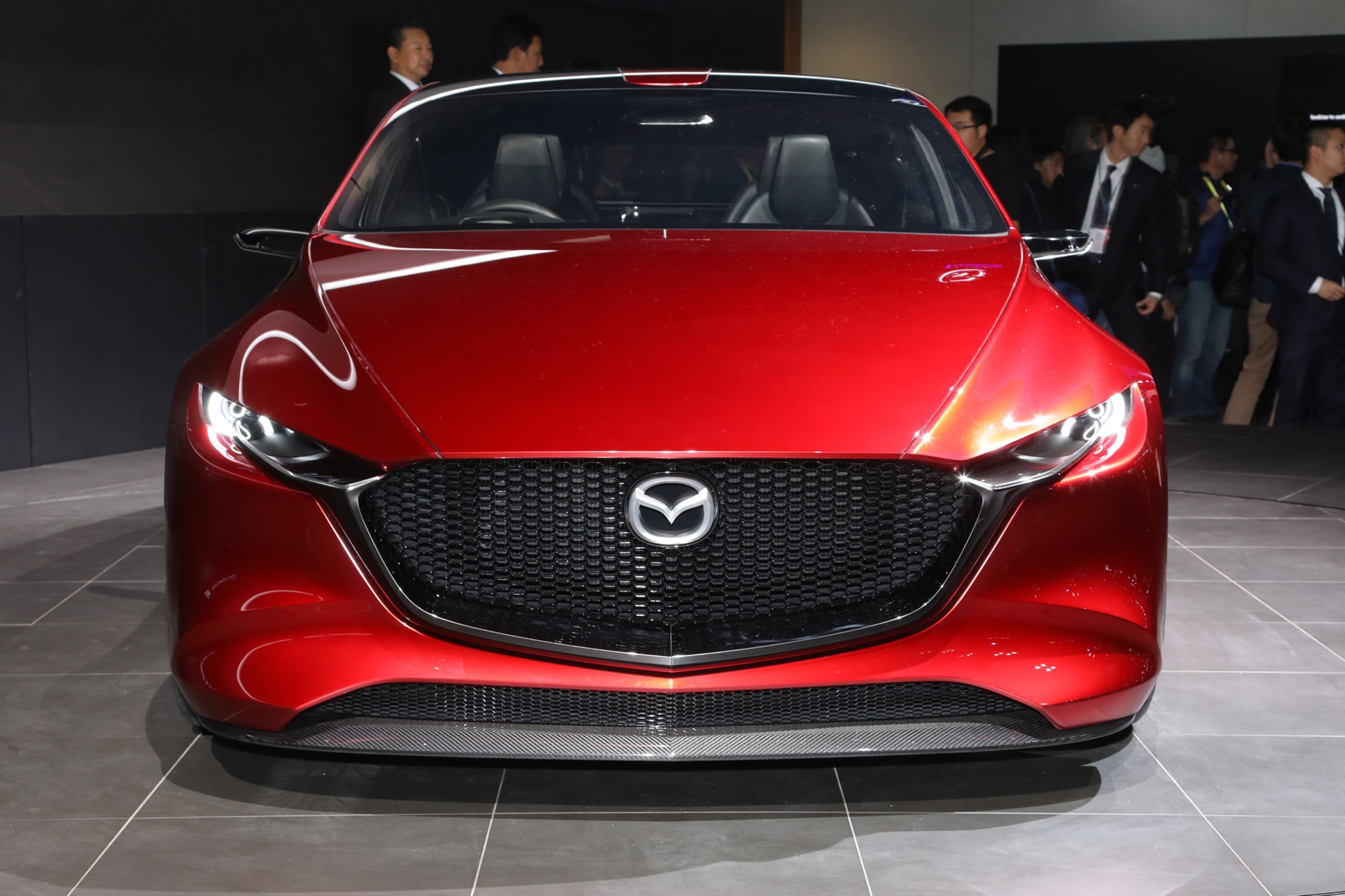 http://st.automobilemag.com/uploads/sites/11/2017/10/Mazda-Kai-concept-front.jpg