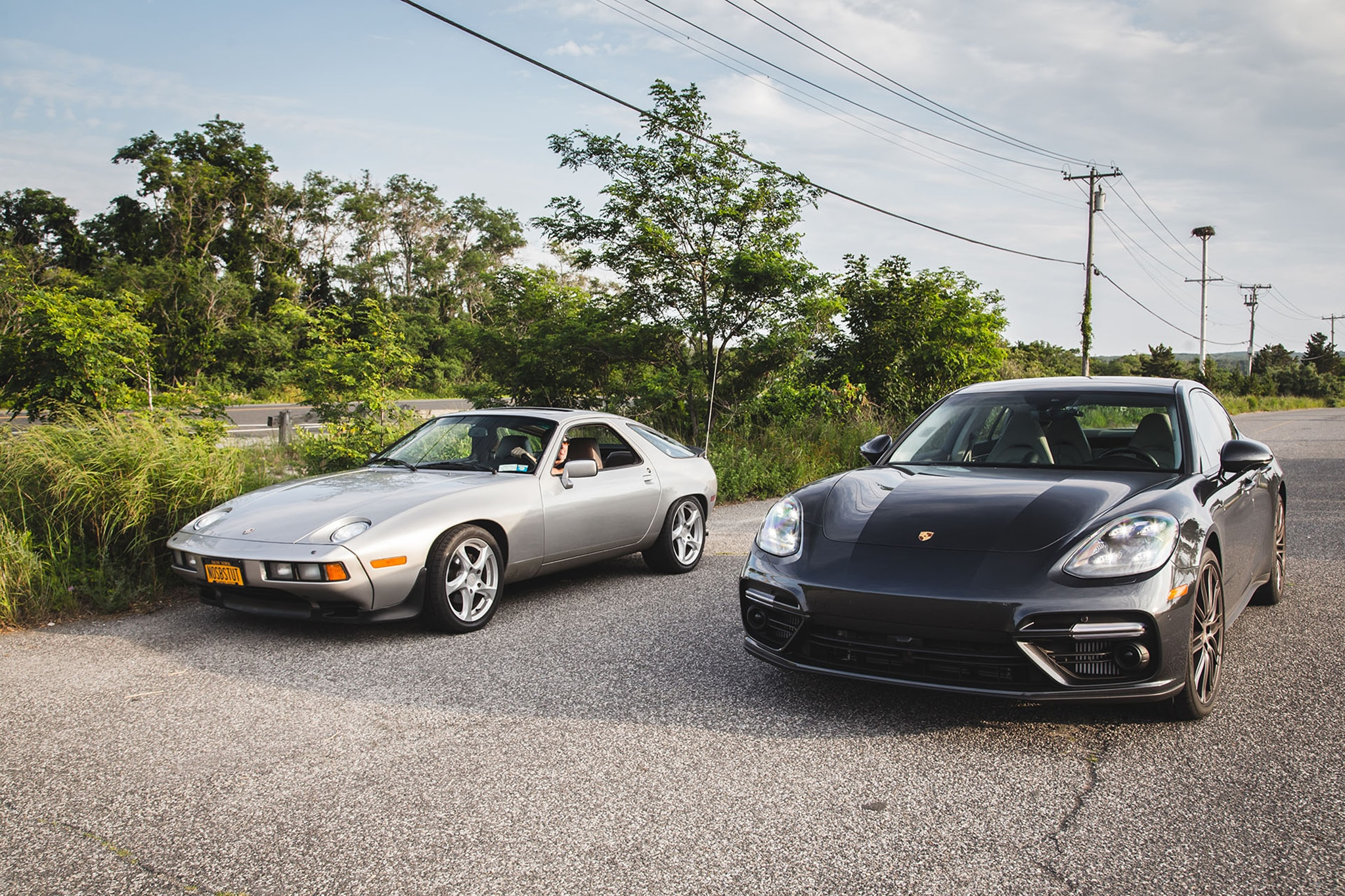 1982 Porsche 928 Meets 2017 Porsche Panamera Turbo 06