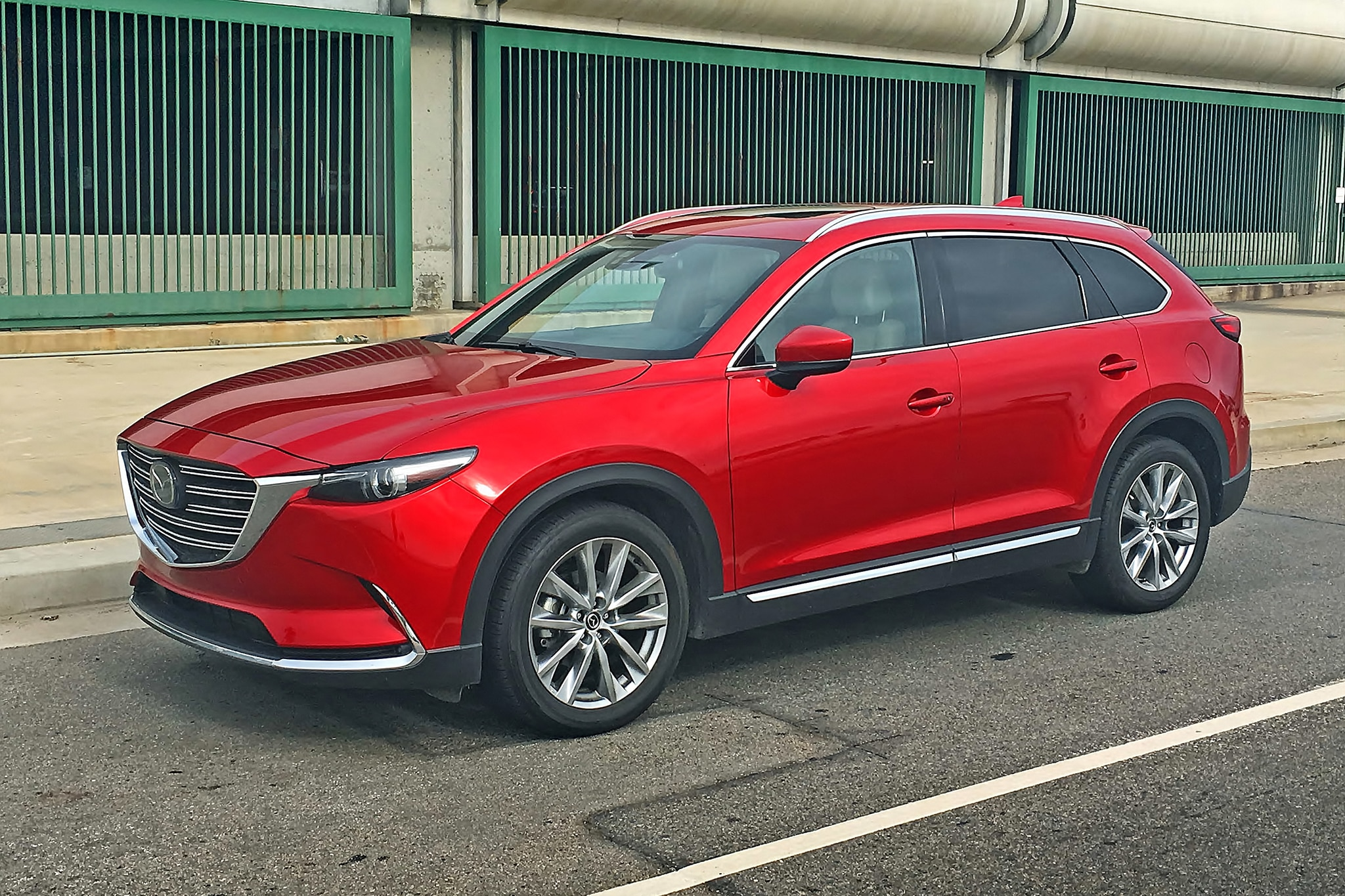 2017 Mazda CX 9 Front Three Quarter 02