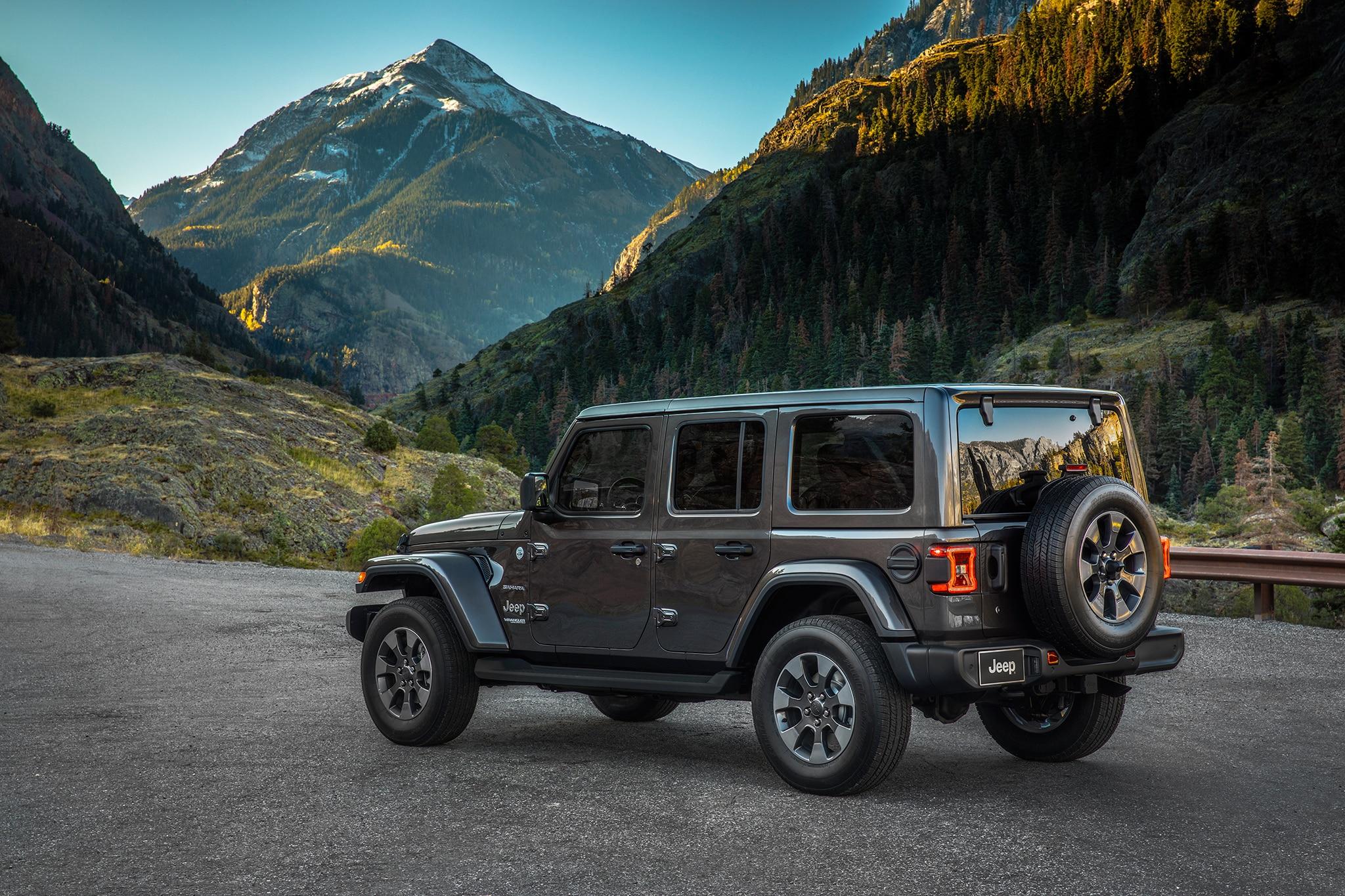 2018 jeep wranger unlimited sahara automobile magazine. Black Bedroom Furniture Sets. Home Design Ideas