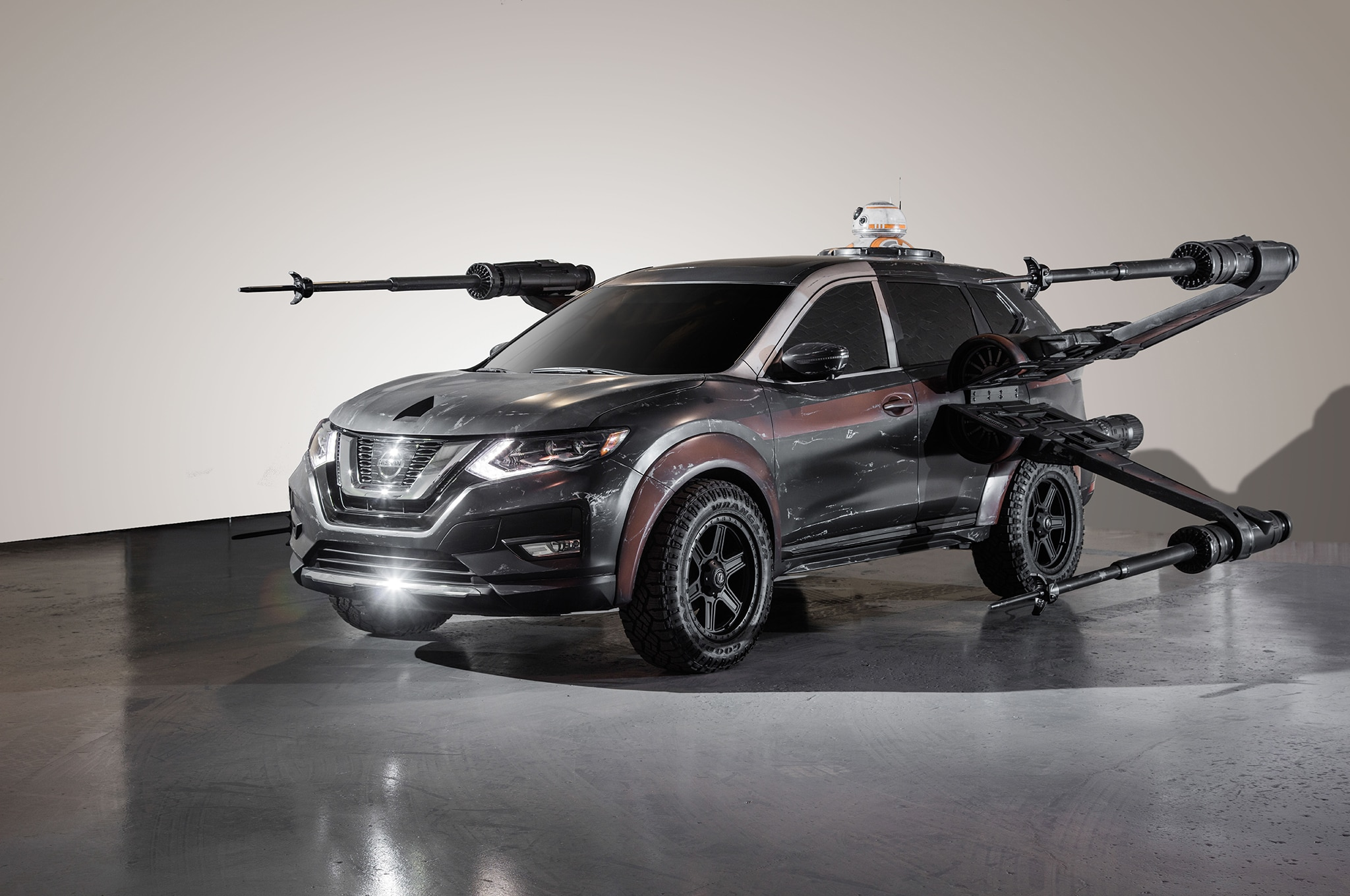 2018 Nissan Rogue Show Car Poe Damerons X Wing With BB 8 Front Three Quarter