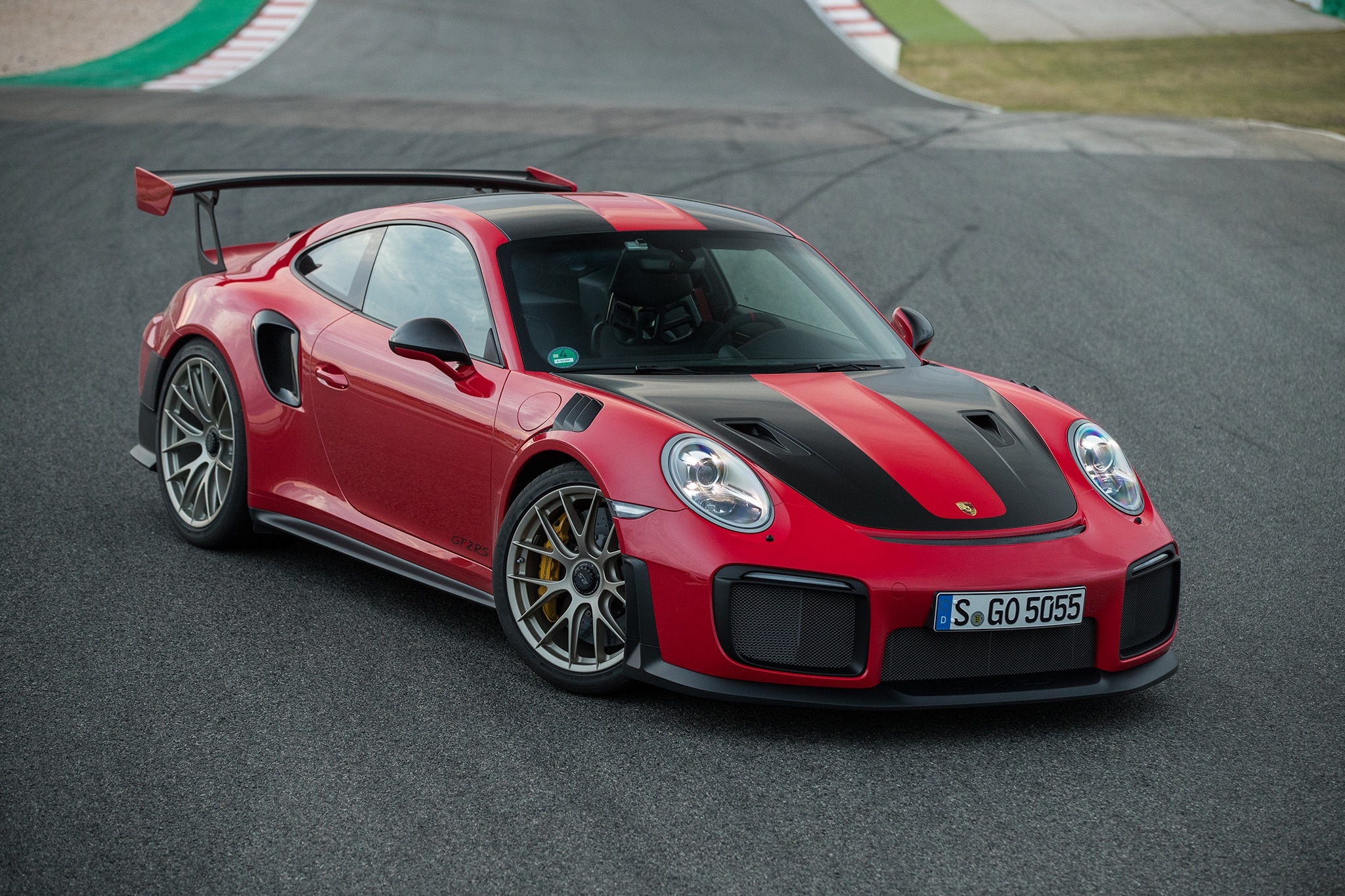 first drive 2018 porsche 911 gt2 rs holy automobile magazine. Black Bedroom Furniture Sets. Home Design Ideas