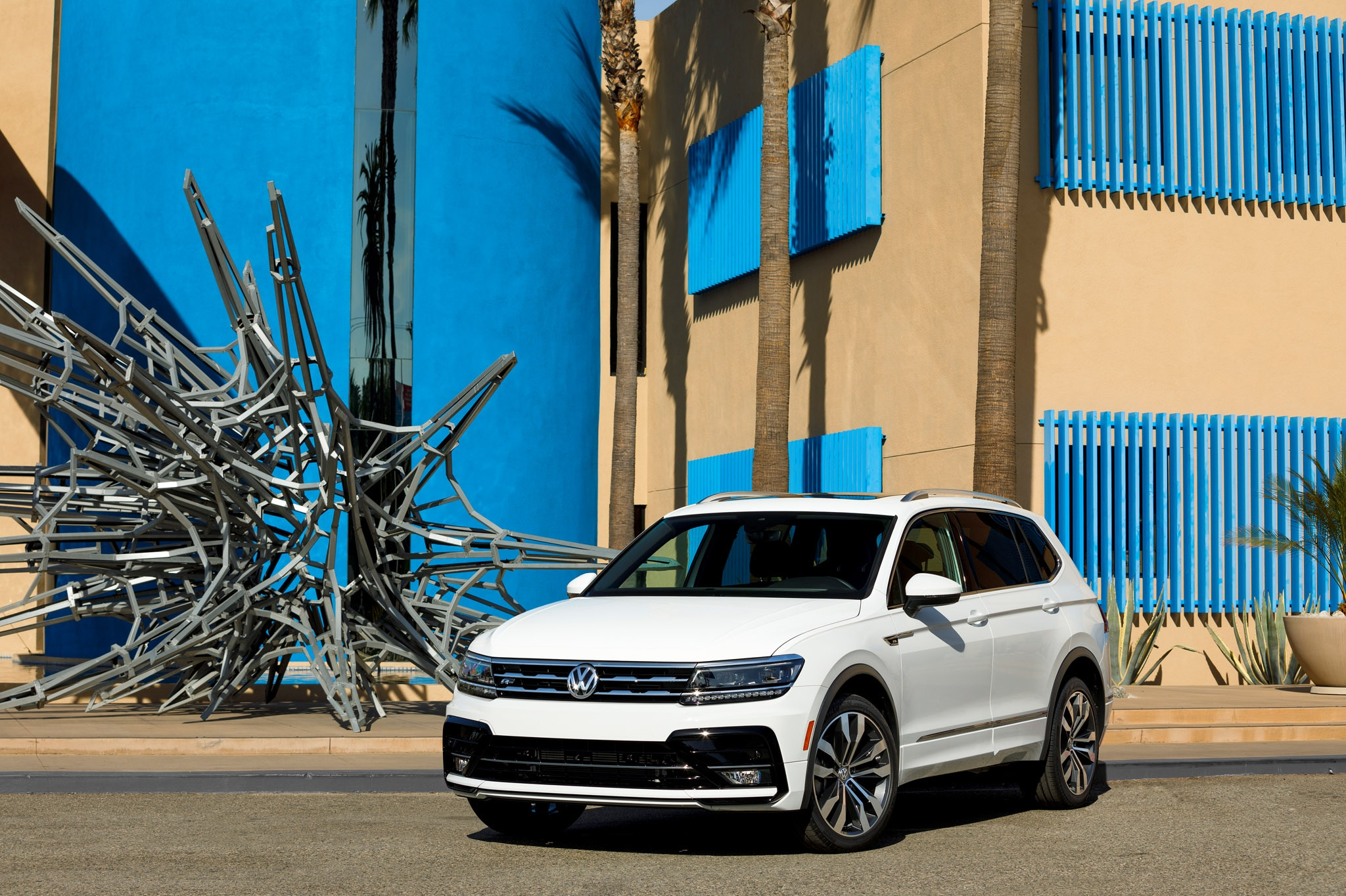 Volkswagen Tiguan dressed up with new R-Line appearance package