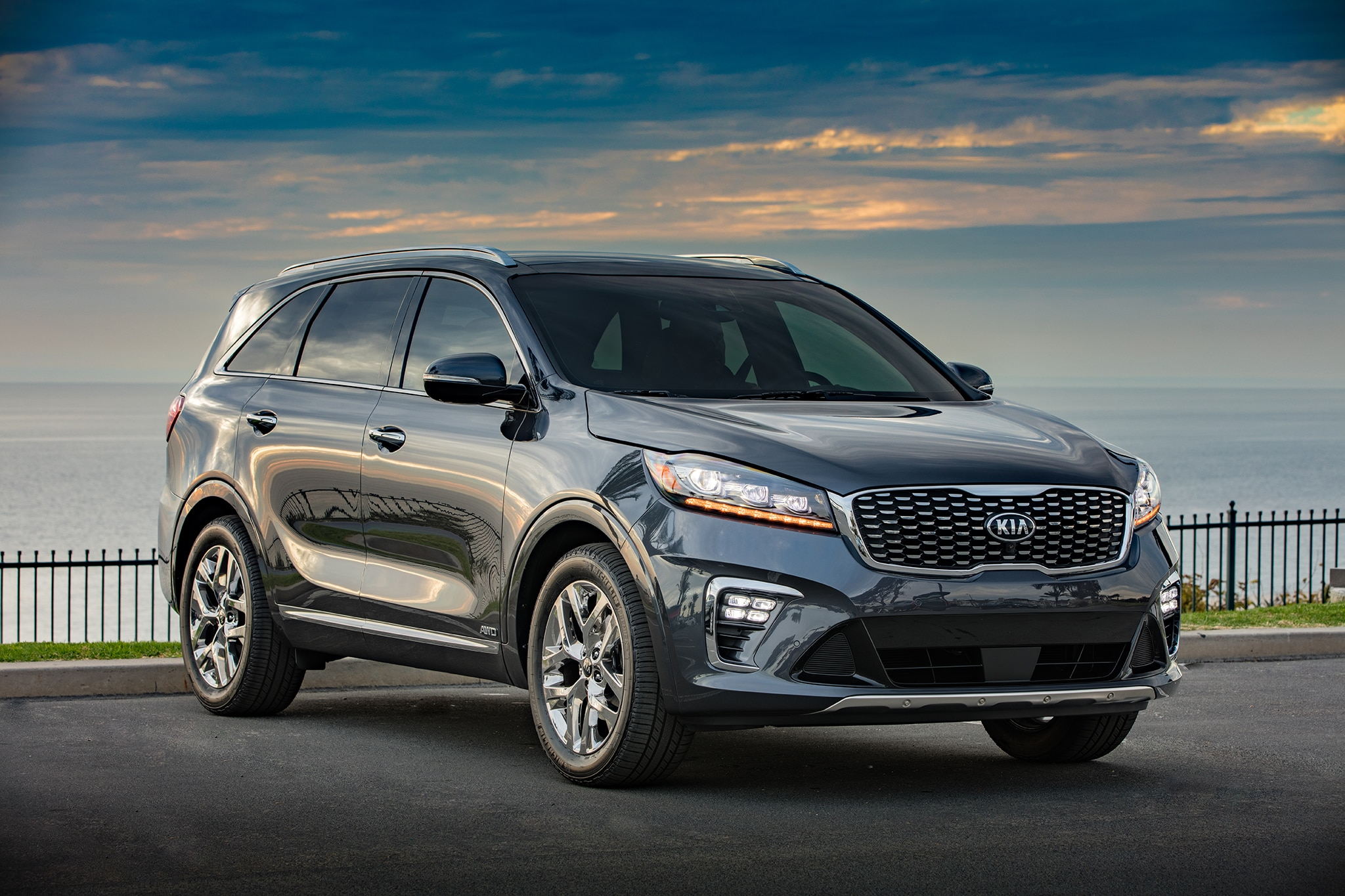 2019 kia sorento gets an updated powertrain lineup automobile magazine. Black Bedroom Furniture Sets. Home Design Ideas