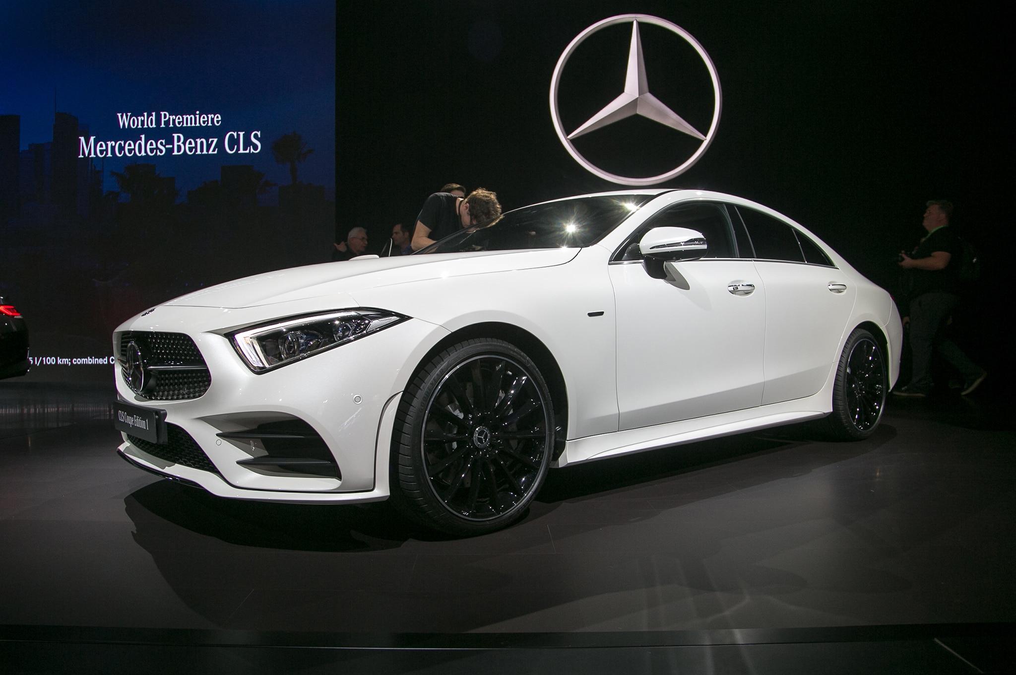 2019 Mercedes Benz CLS Front Three Quarter 01 1