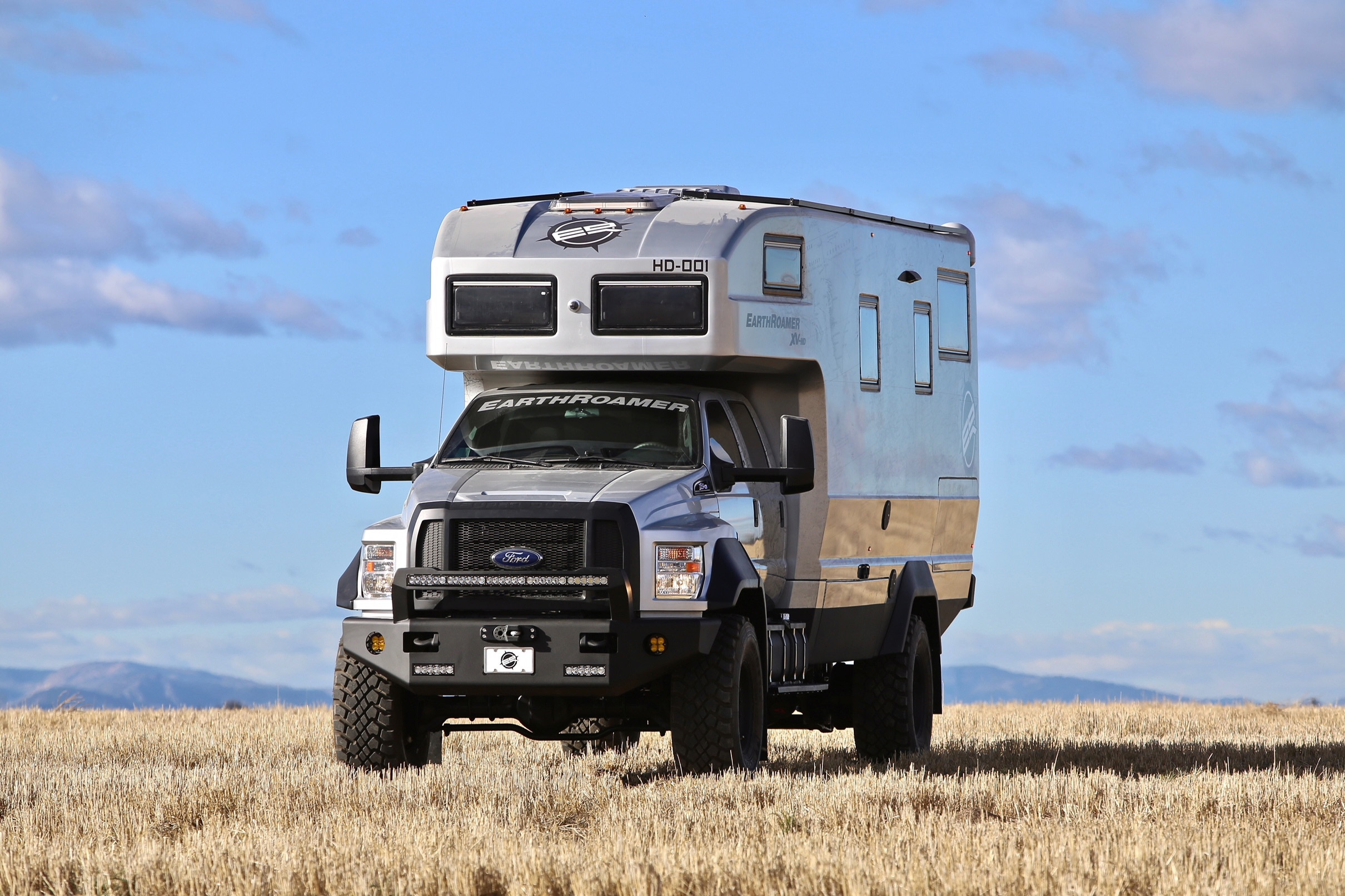 Earthroamer Xv Hd Super Camper Can Be Yours For 1 5