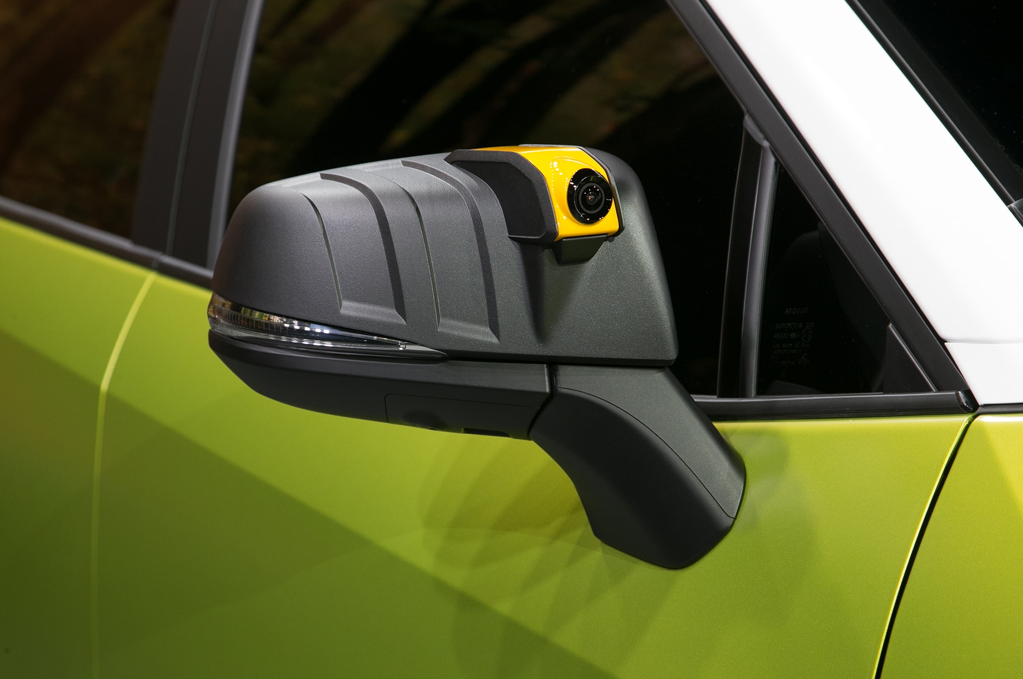 http://st.automobilemag.com/uploads/sites/11/2017/11/Toyota-FT-AC-Concept-side-mirror-camera.jpg