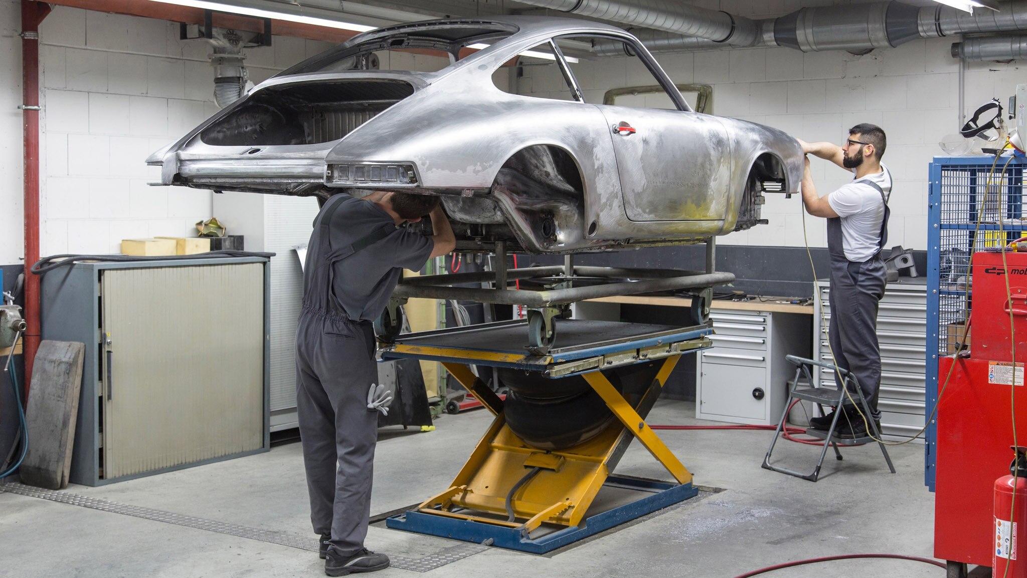 1964 Porsche 911 Barn Find Gets A 21st Century Jumpstart
