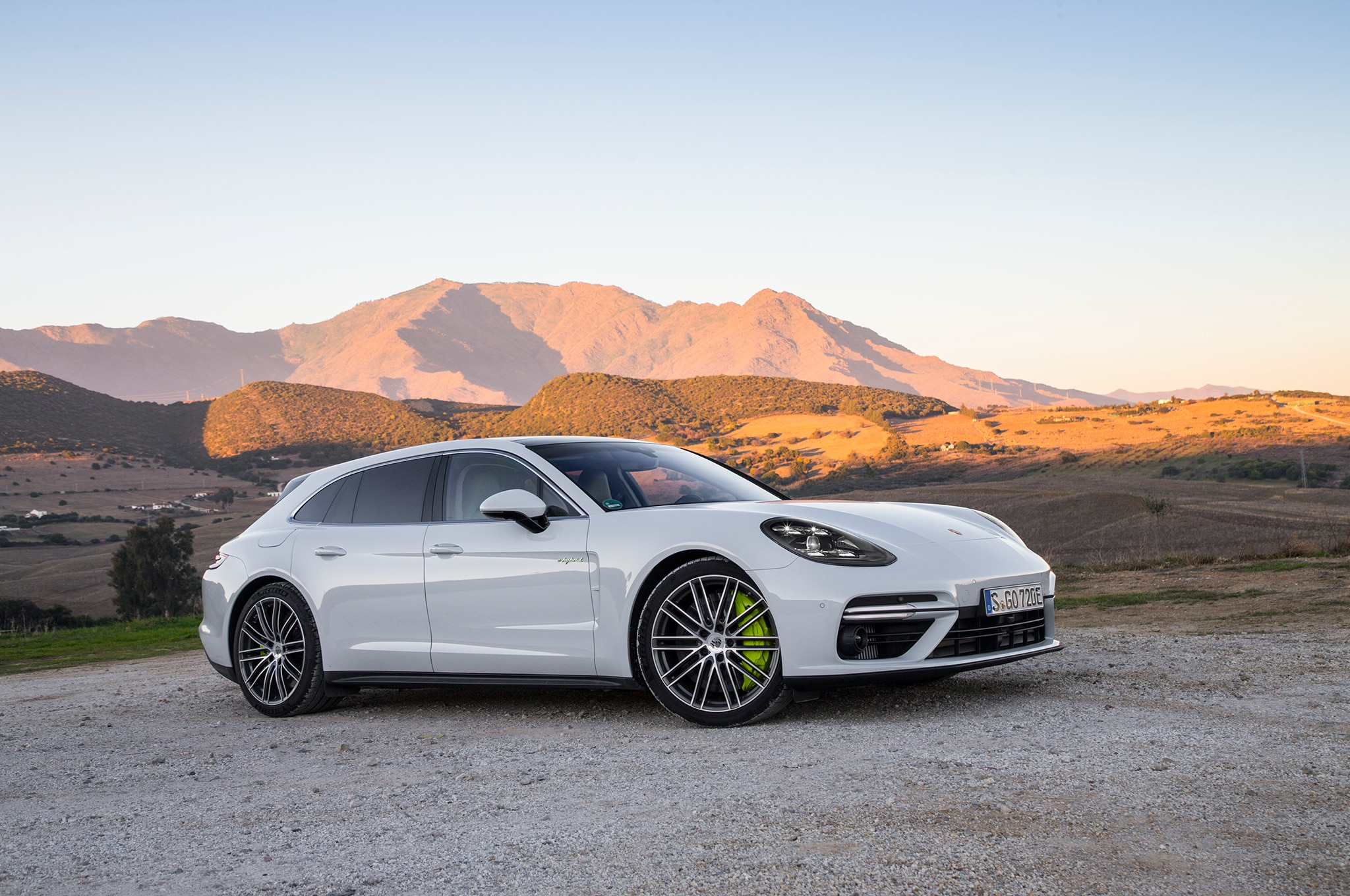 2018 porsche panamera turbo s e hybrid sport turismo first drive review automobile magazine. Black Bedroom Furniture Sets. Home Design Ideas
