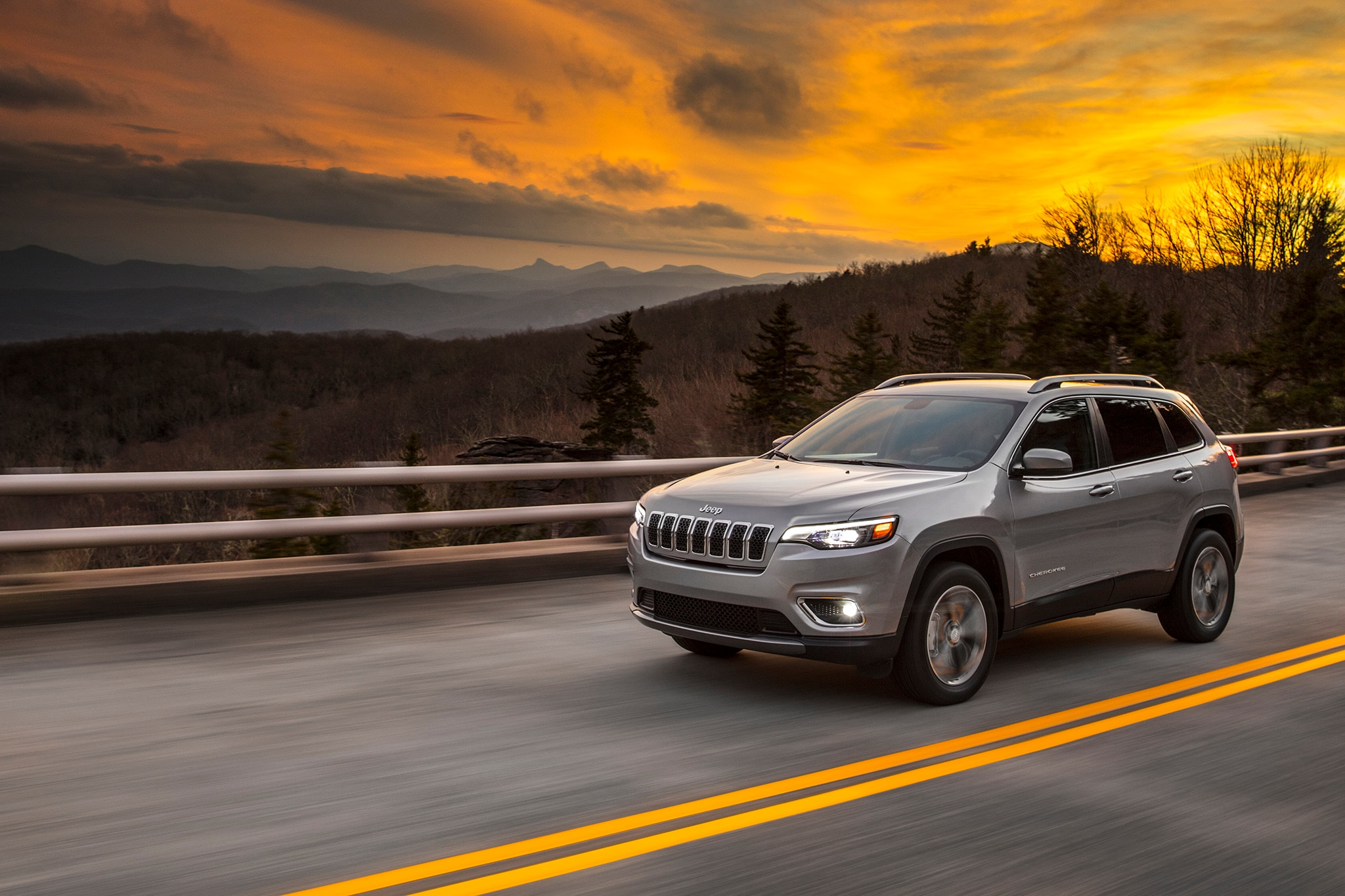 Jeep reveals 2019 Cherokee facelift