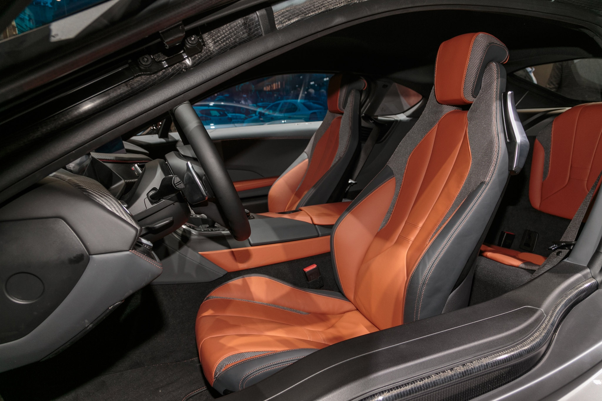 2019 bmw i8 coupe and roadster first edition debut in. Black Bedroom Furniture Sets. Home Design Ideas