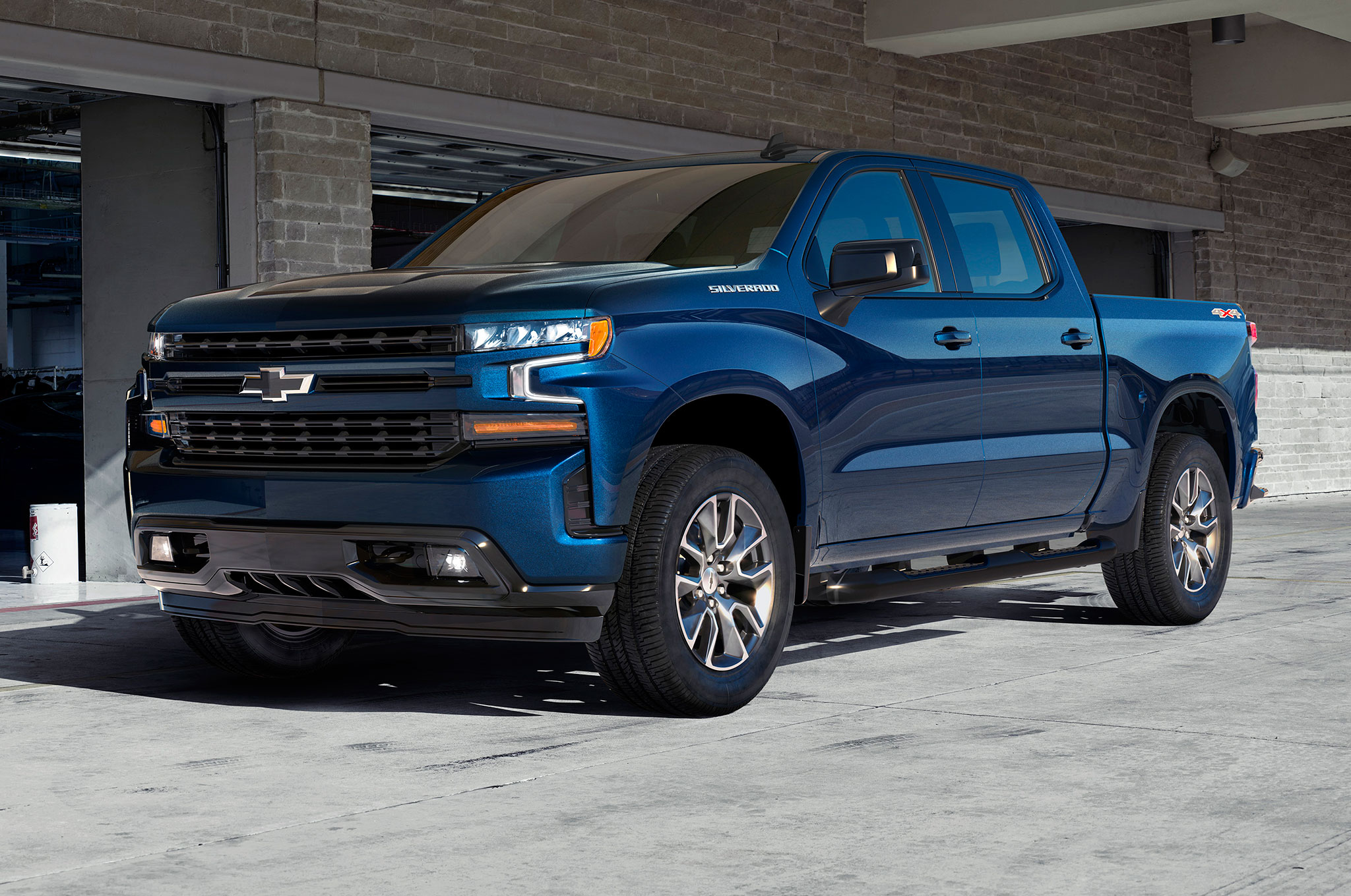 2019 chevrolet silverado 1500 revealed in detroit. Black Bedroom Furniture Sets. Home Design Ideas