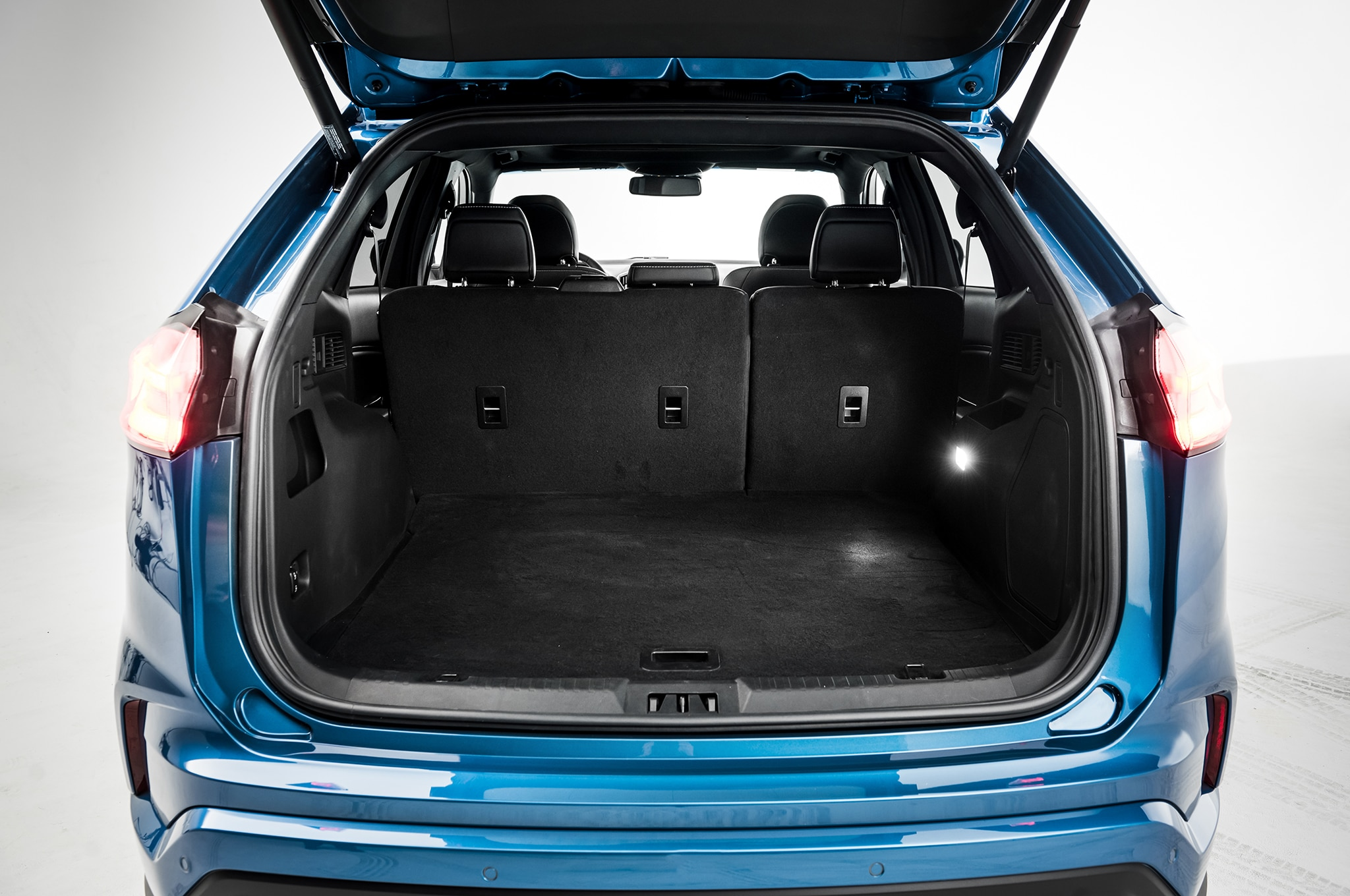 Ford Fusion Trunk Space >> 2019 Ford Edge Goes ST, Gets Mid-Cycle Refresh ...