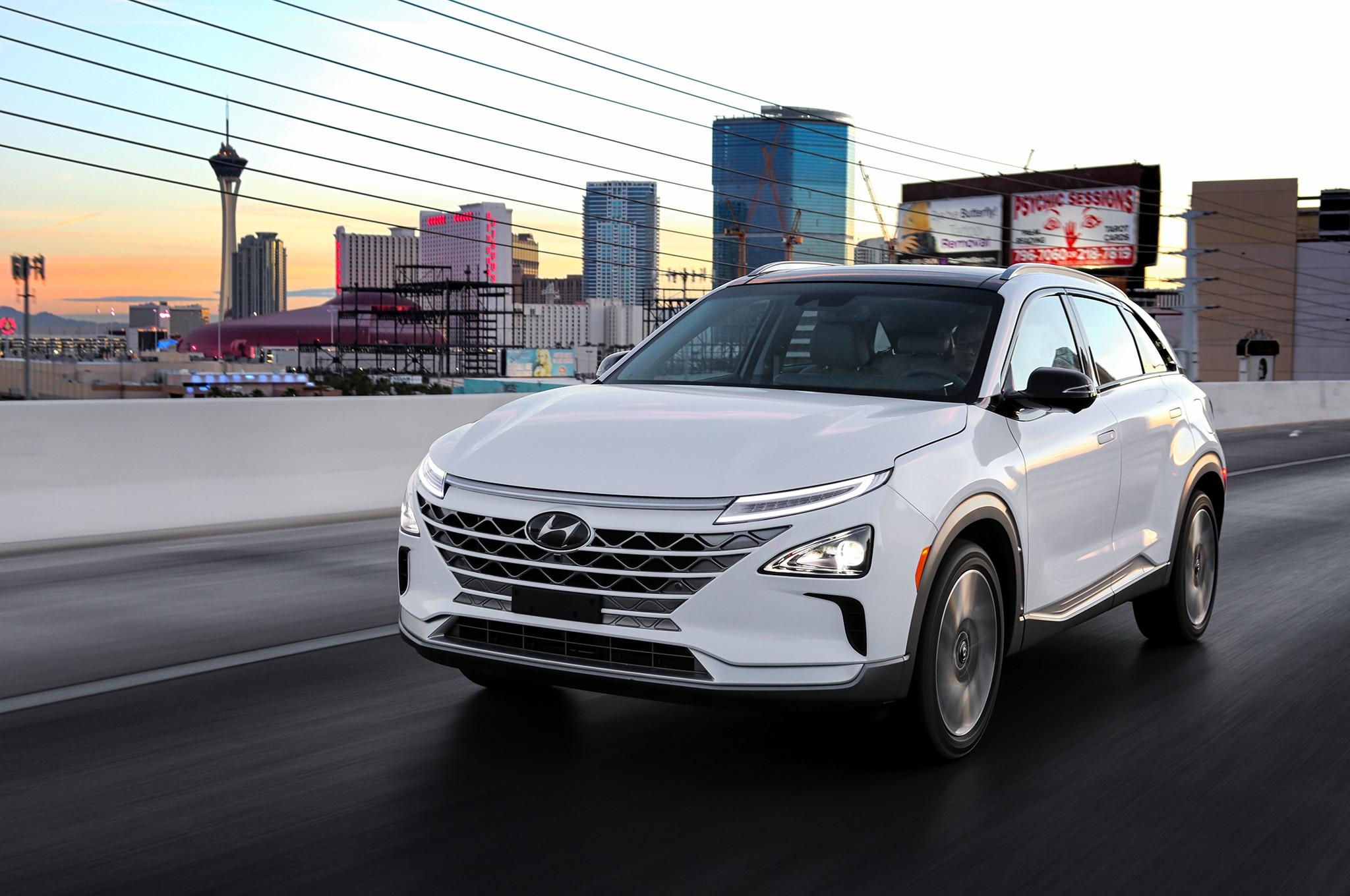 2019 Hyundai Nexo Front Three Quarter In Motion 11