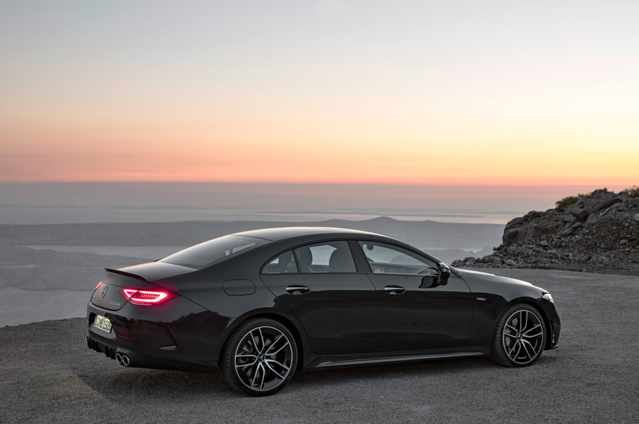 http://st.automobilemag.com/uploads/sites/11/2018/01/2019-Mercedes-AMG-CLS-53_091.jpg