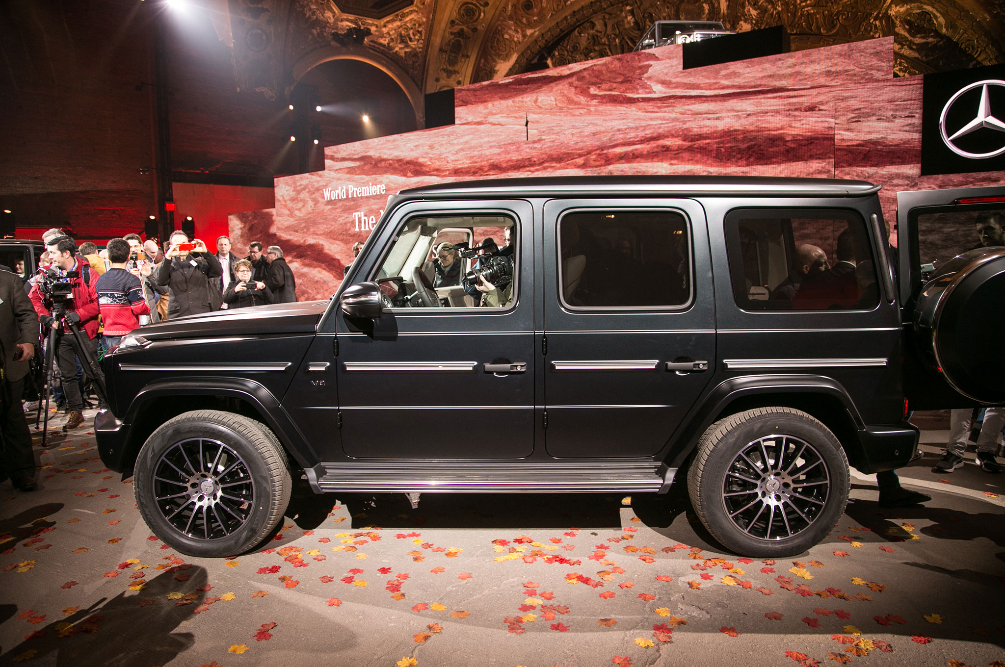the all-new 2019 mercedes-benz g550 debuts in detroit, cuts down
