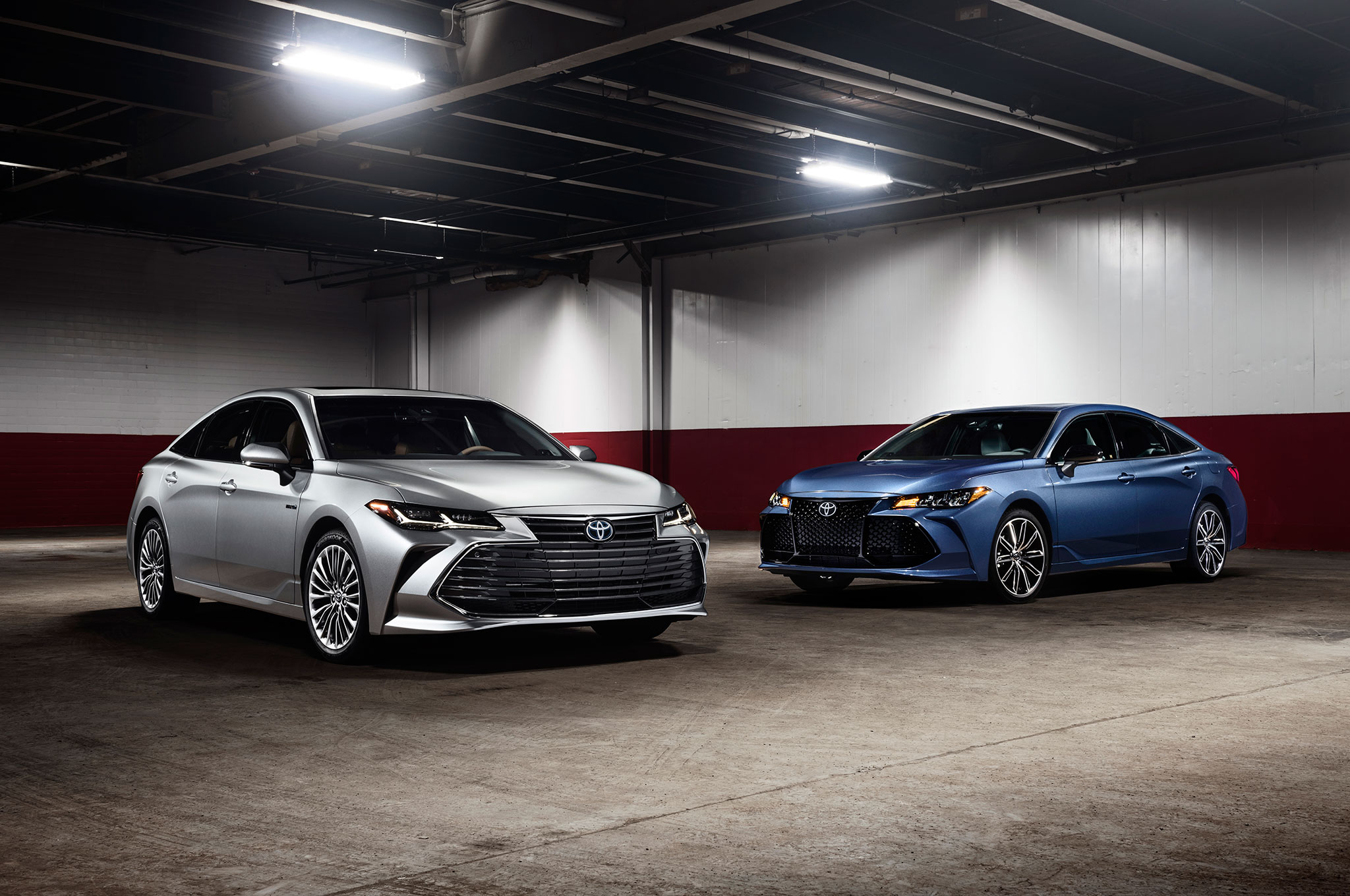 2019 Toyota Avalons Together