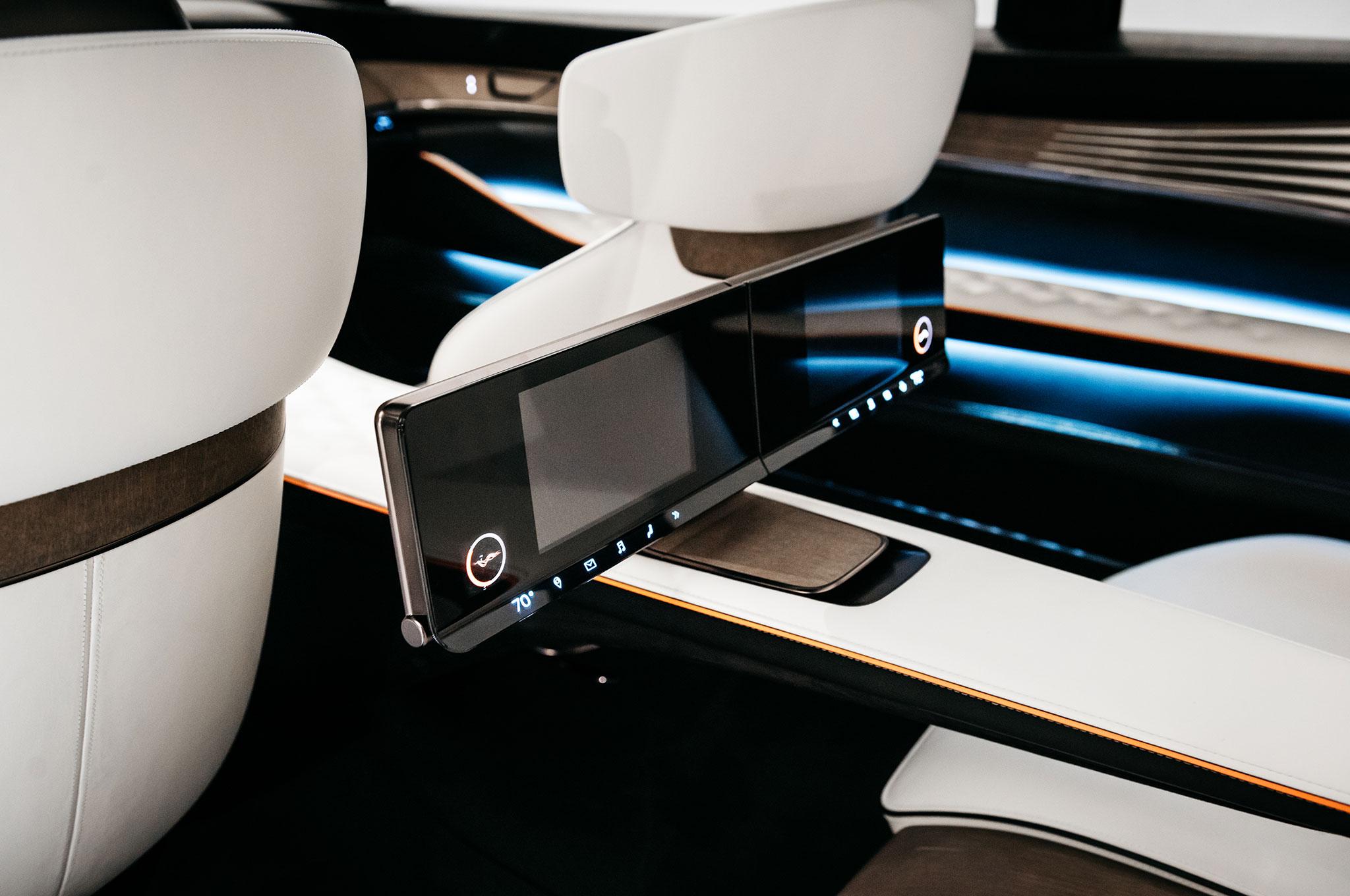 infiniti q inspiration concept arrives amidst detroit s truck party automobile magazine. Black Bedroom Furniture Sets. Home Design Ideas
