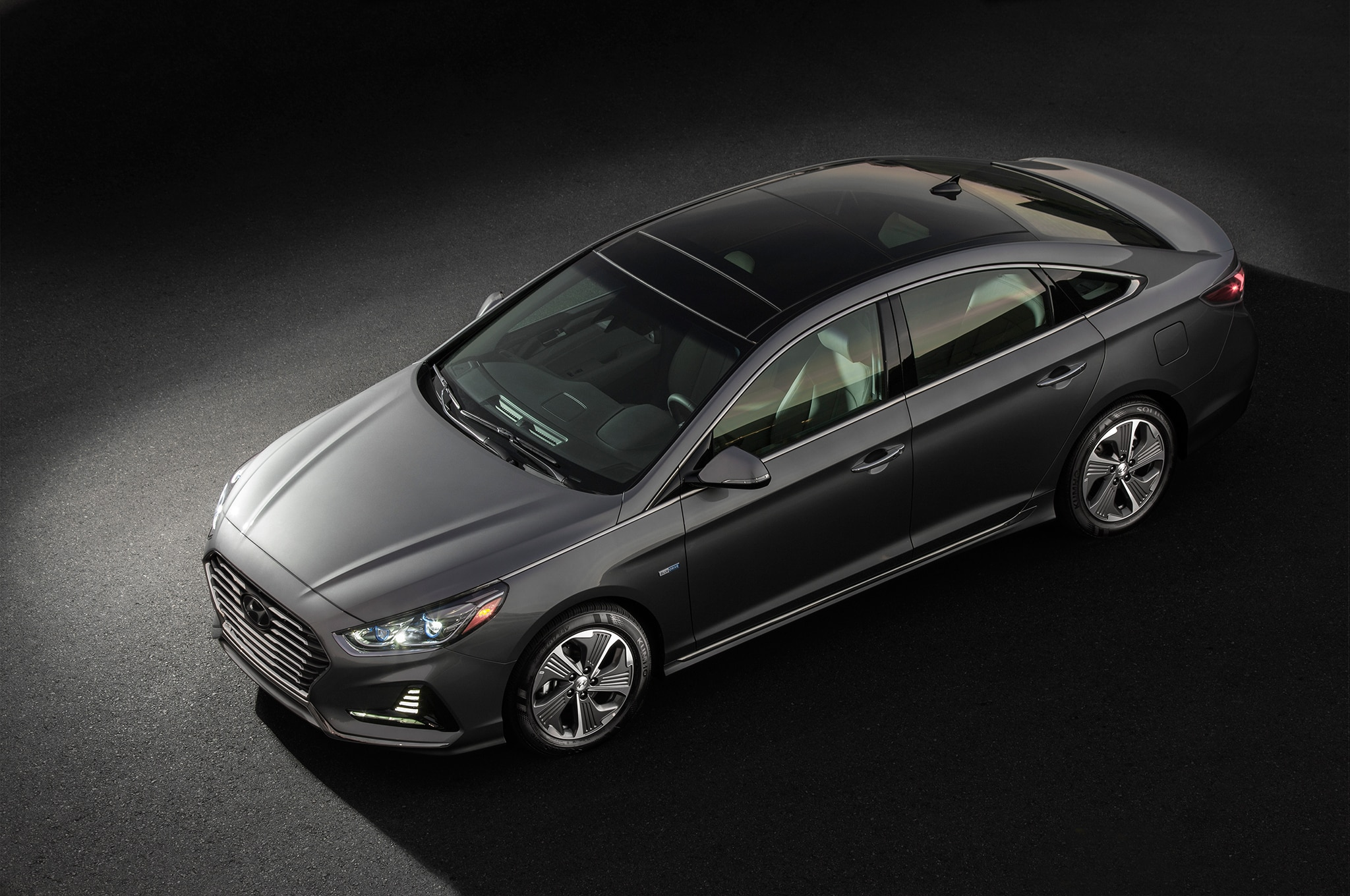 2018 hyundai sonata hybrid and phev efficiently debut in chicago automobile magazine. Black Bedroom Furniture Sets. Home Design Ideas
