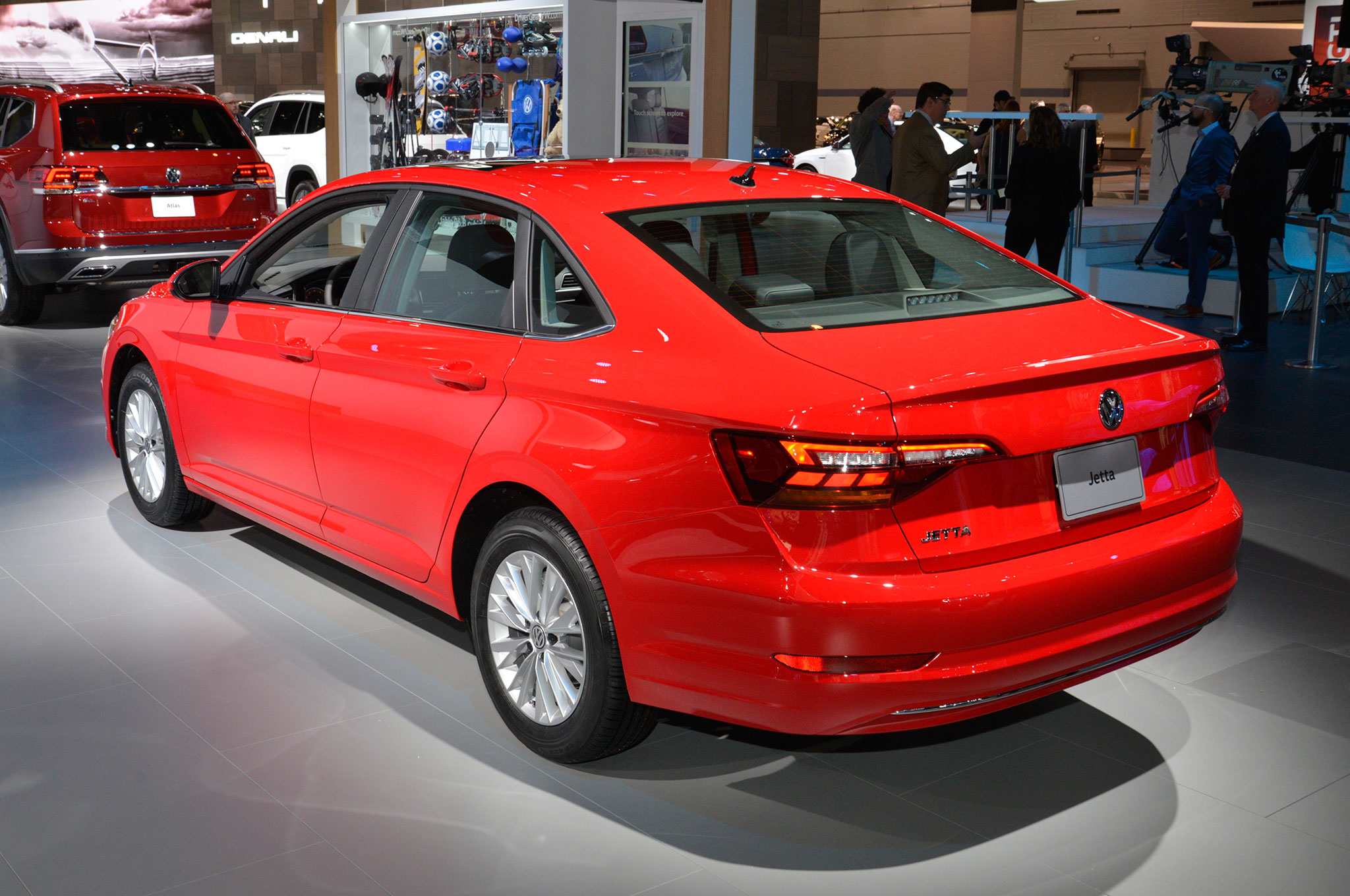 Exploring the Design of the 2019 Volkswagen Jetta ...