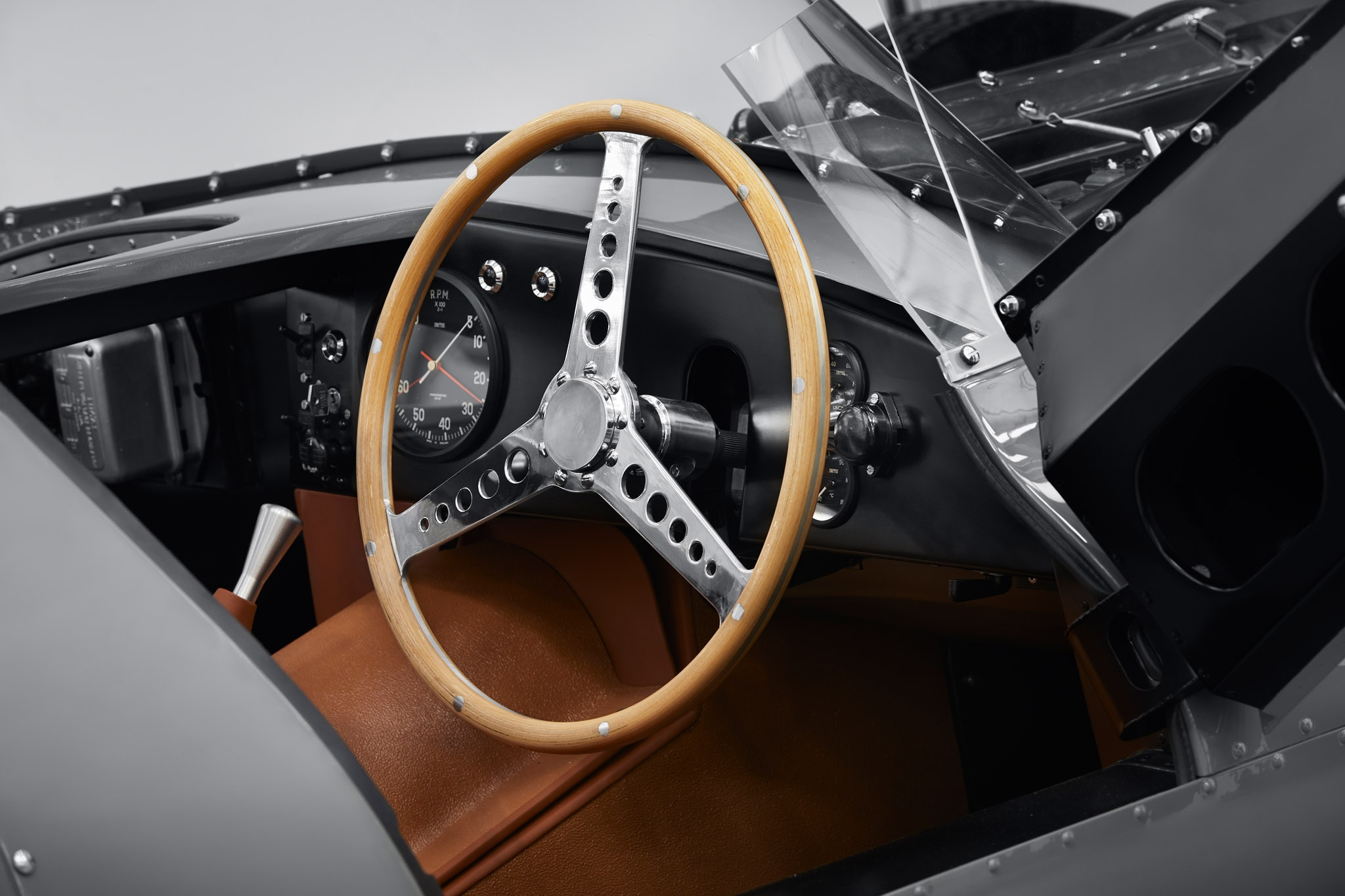 Jaguar to Build 25 Continuation D-type Race Cars for Well-Heeled ...