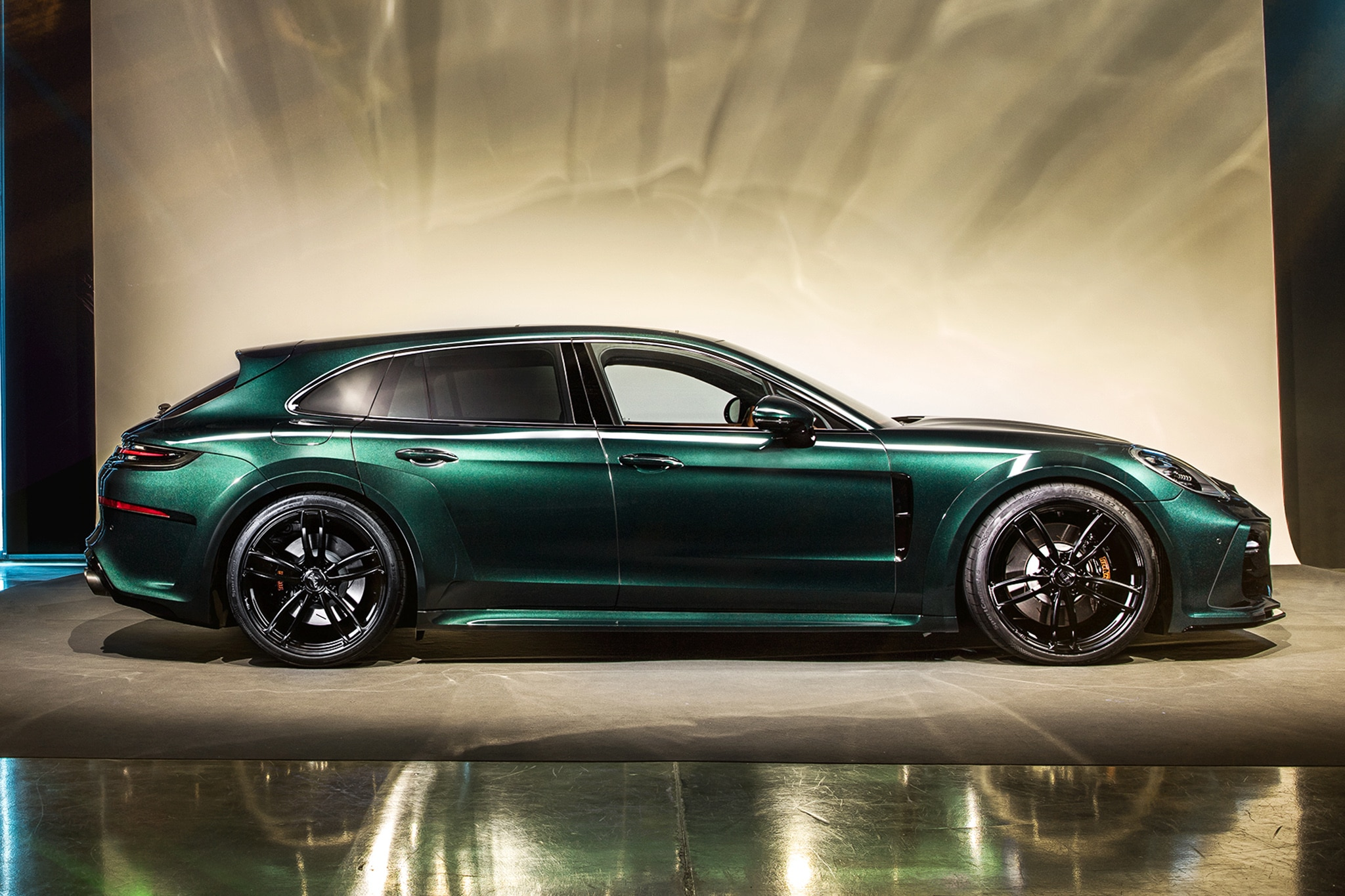 Techart S Porsche Panamera Sport Turismo Package To Debut In Geneva Automobile Magazine