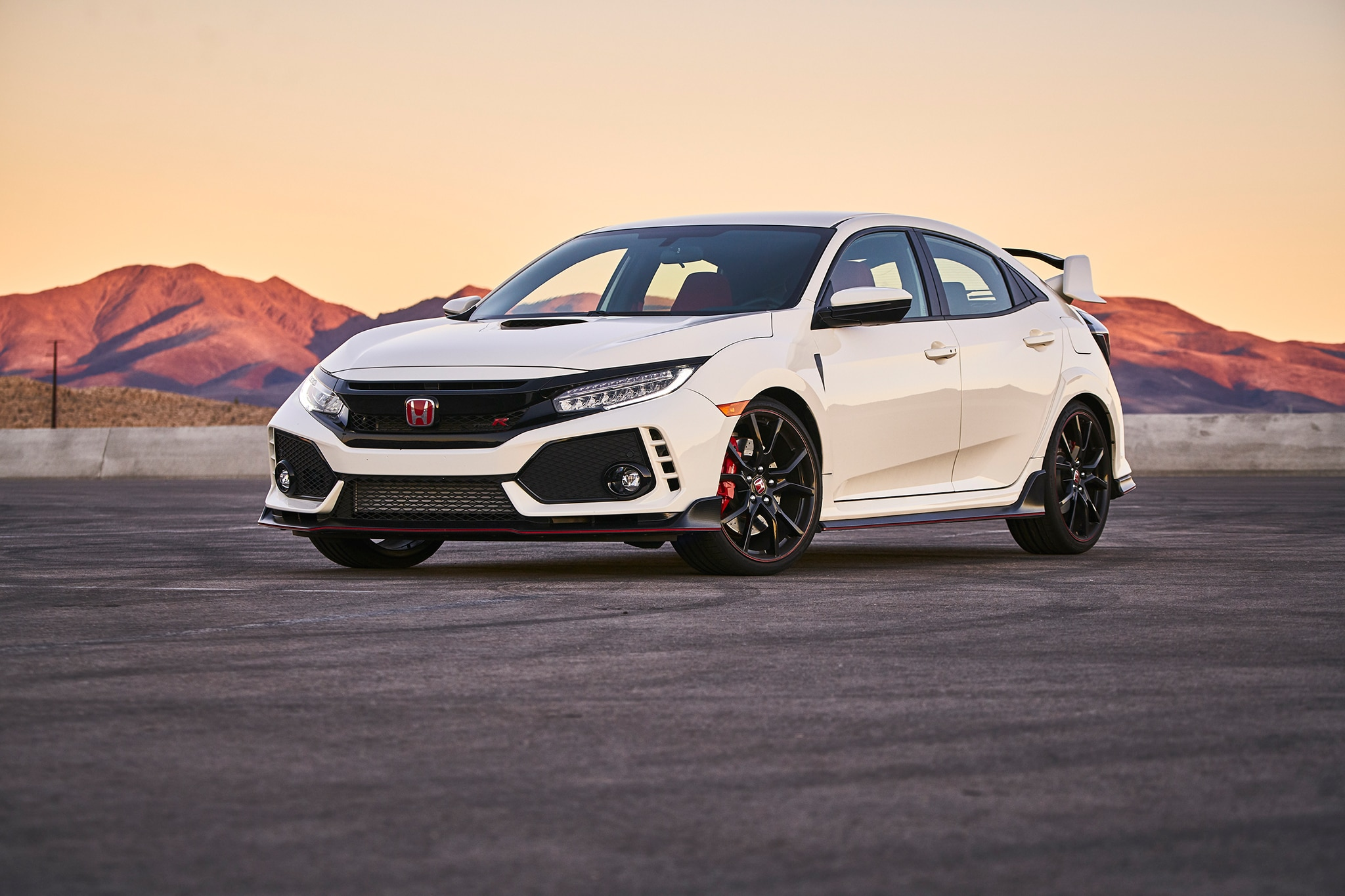 2018 automobile all star 2018 honda civic type r automobile magazine. Black Bedroom Furniture Sets. Home Design Ideas