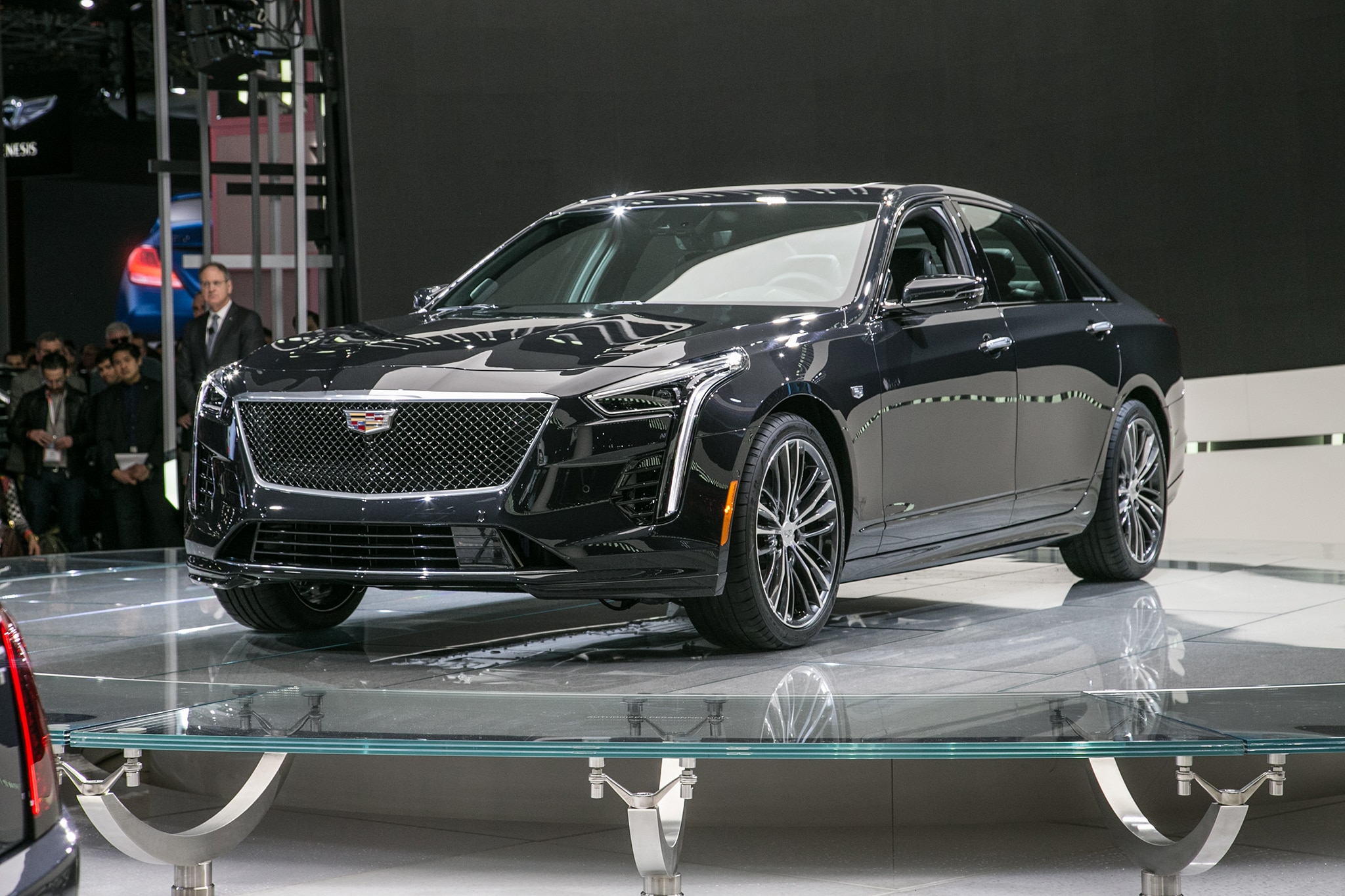 Cadillac Unleashes Its Own V-8 Engine for 2019 CT6 VSport | Automobile Magazine