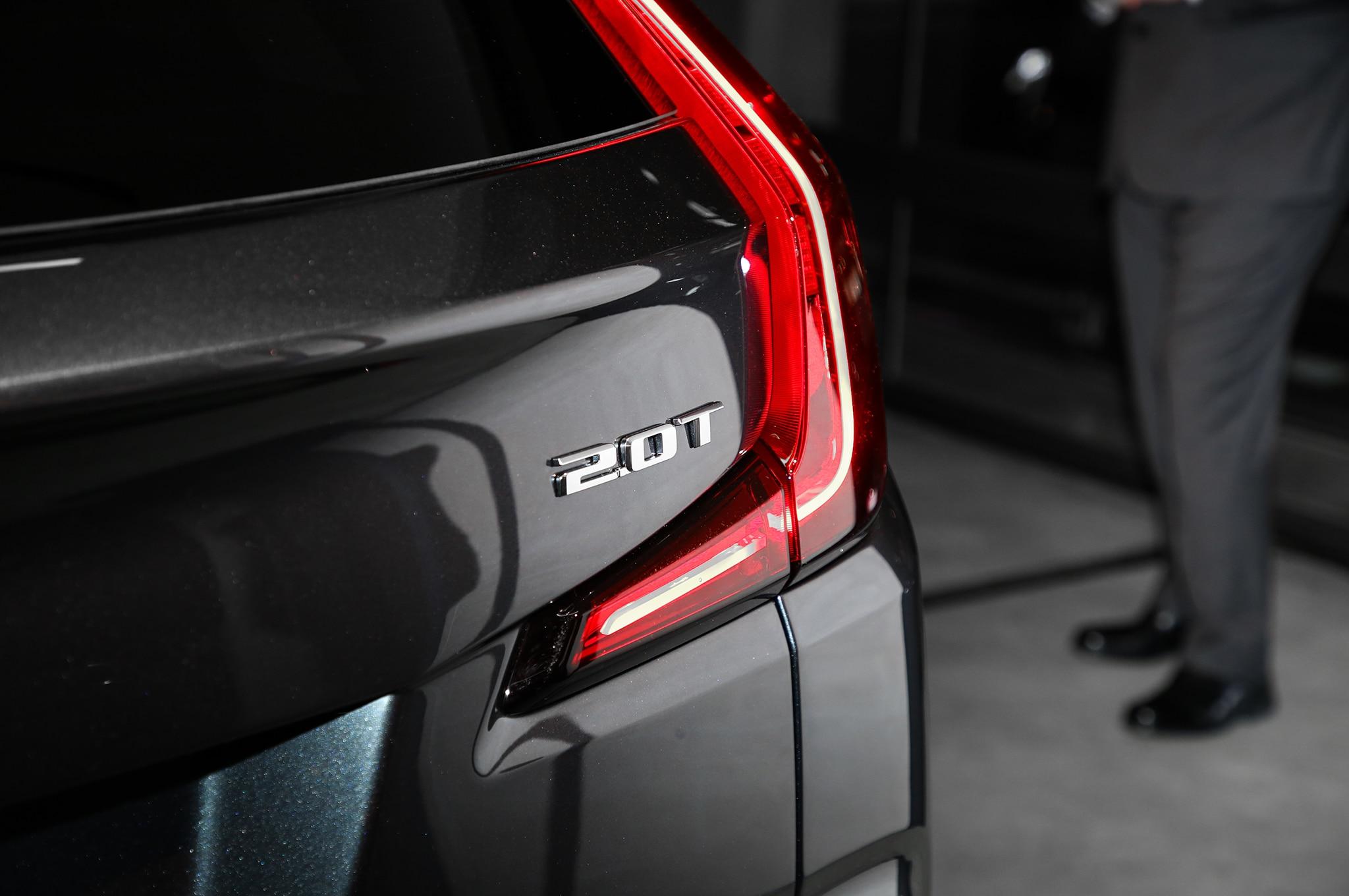 2019 Cadillac XT4 Taillight 02