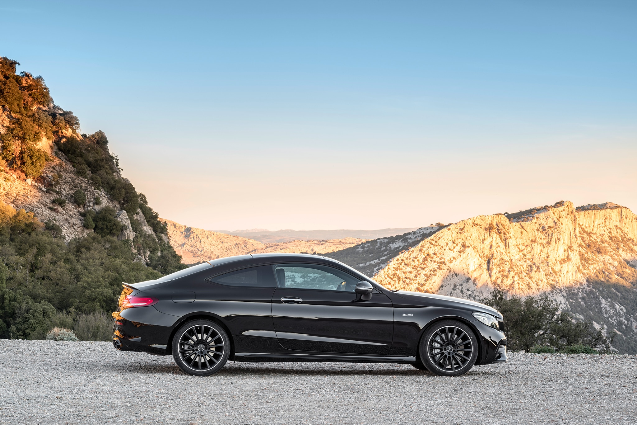 2019 Mercedes Amg C43 Coupe And Cabriolet Make Nyc Debut