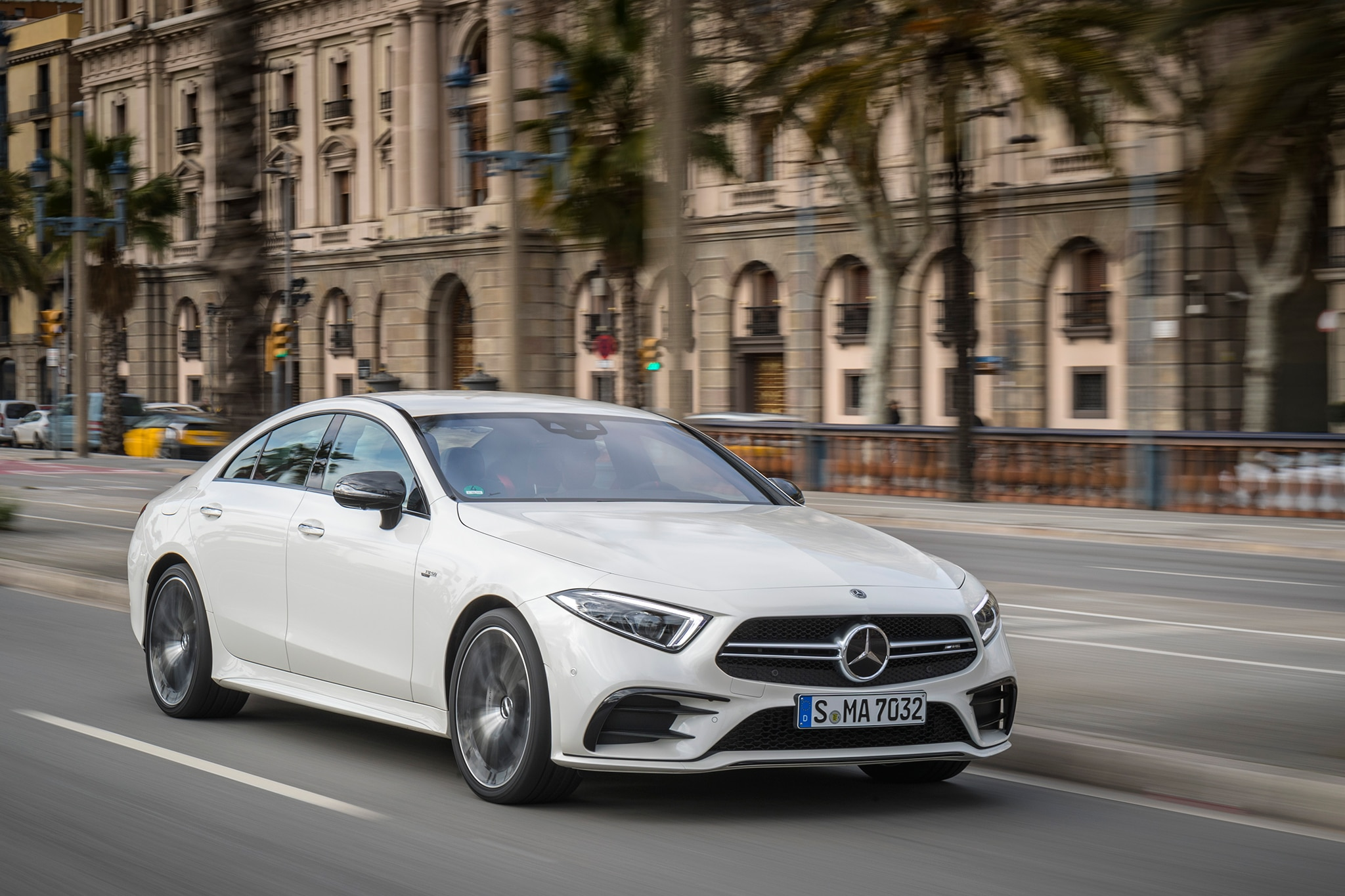 http://st.automobilemag.com/uploads/sites/11/2018/03/2019-Mercedes-AMG-CLS53-front-three-quarter-in-motion-05.jpg