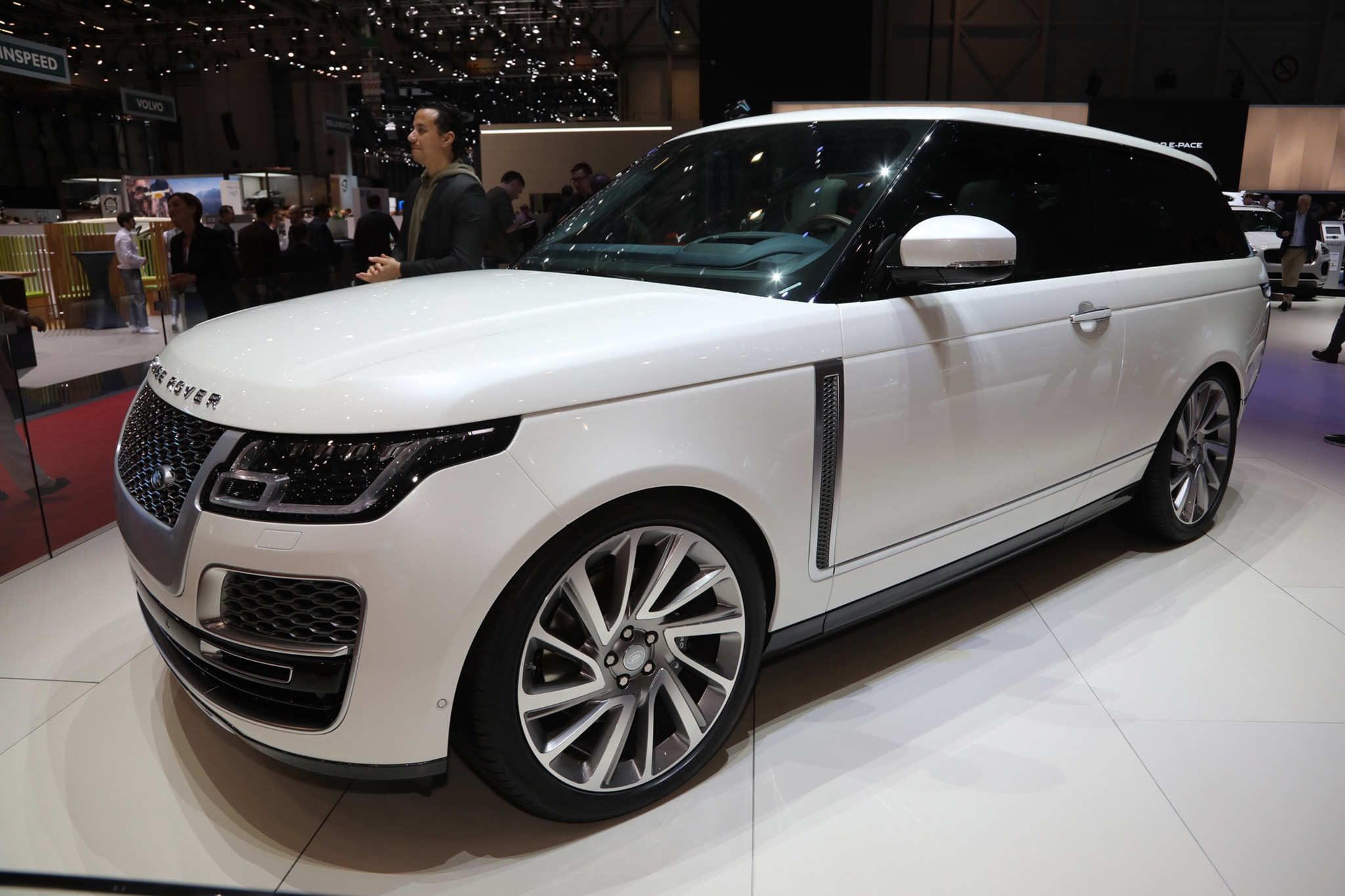 2019 range rover sv coupe is all sport and not much utility automobile magazine. Black Bedroom Furniture Sets. Home Design Ideas